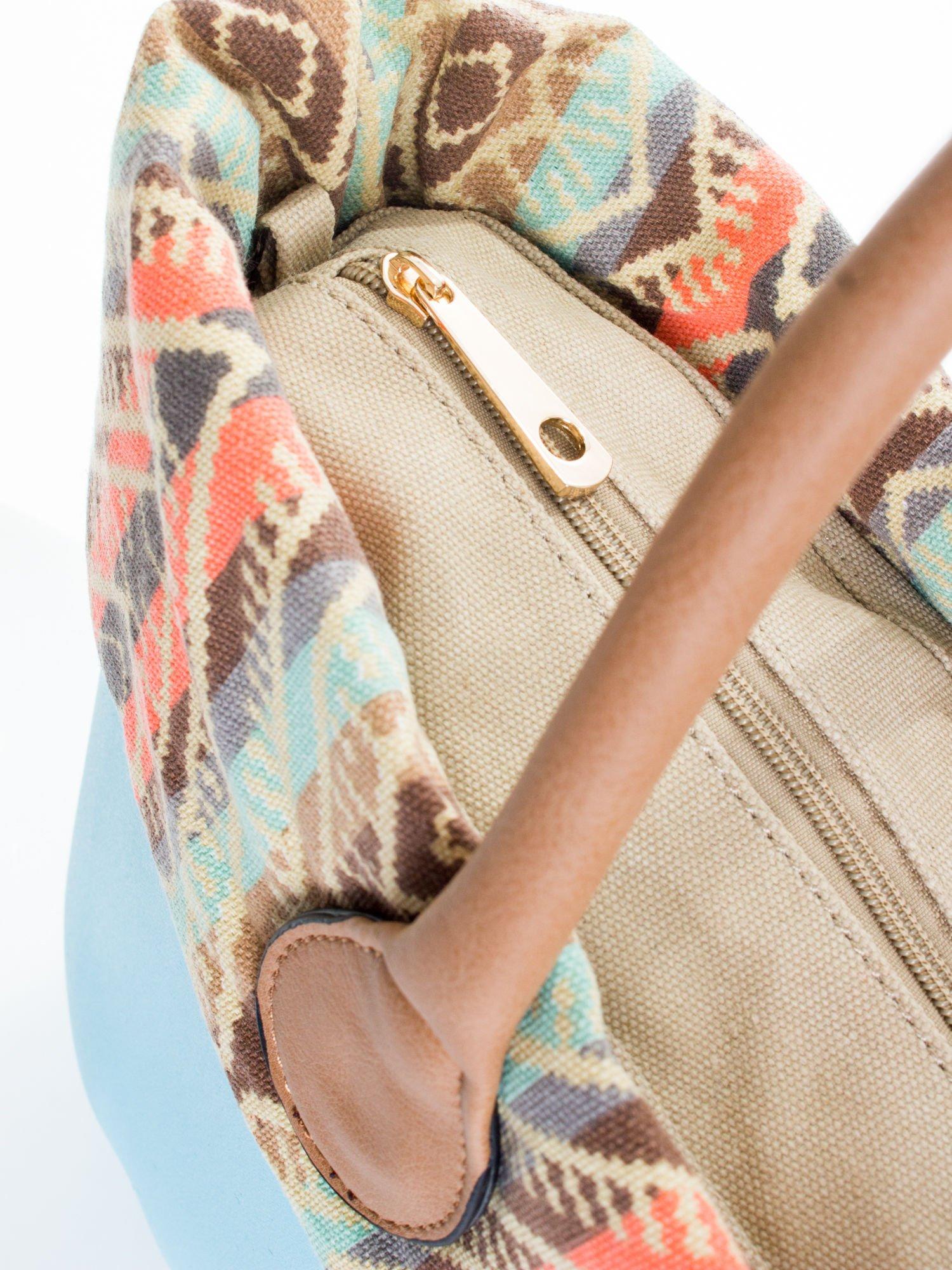 Jasnoniebieska torba gumowa z motywem azteckim                                  zdj.                                  4