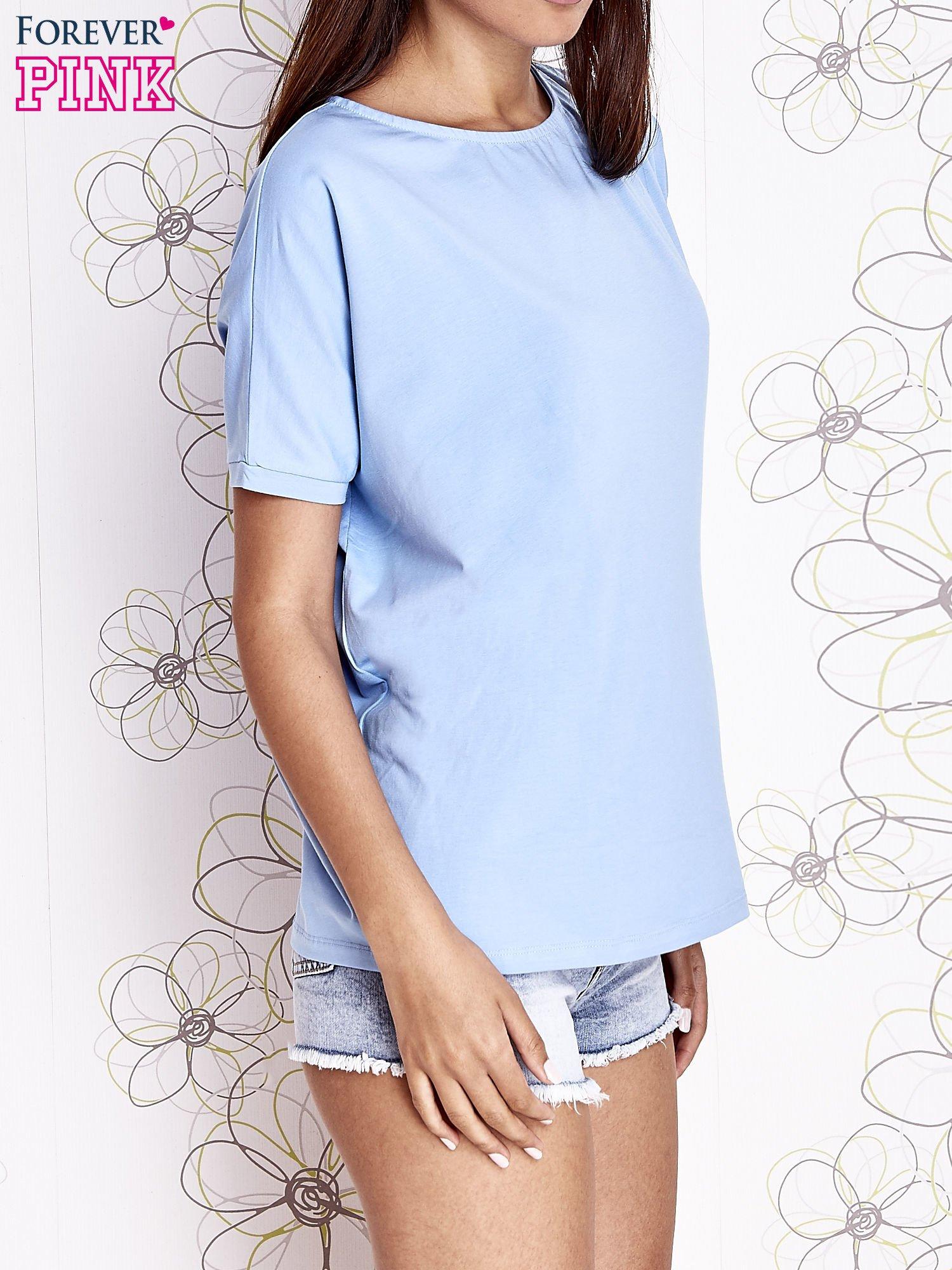 Jasnoniebieski t-shirt oversize                                  zdj.                                  3