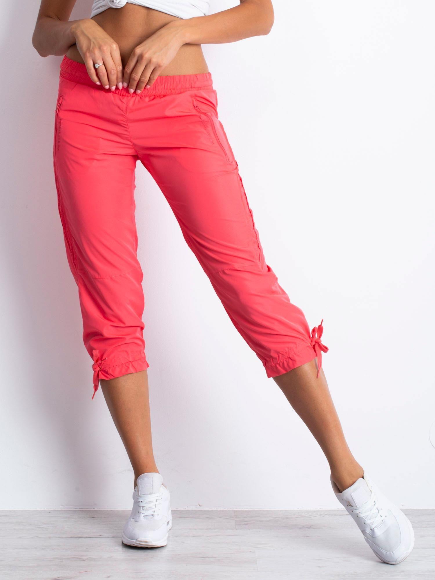 Jasnoróżowe spodnie sportowe capri z siateczką                                  zdj.                                  6
