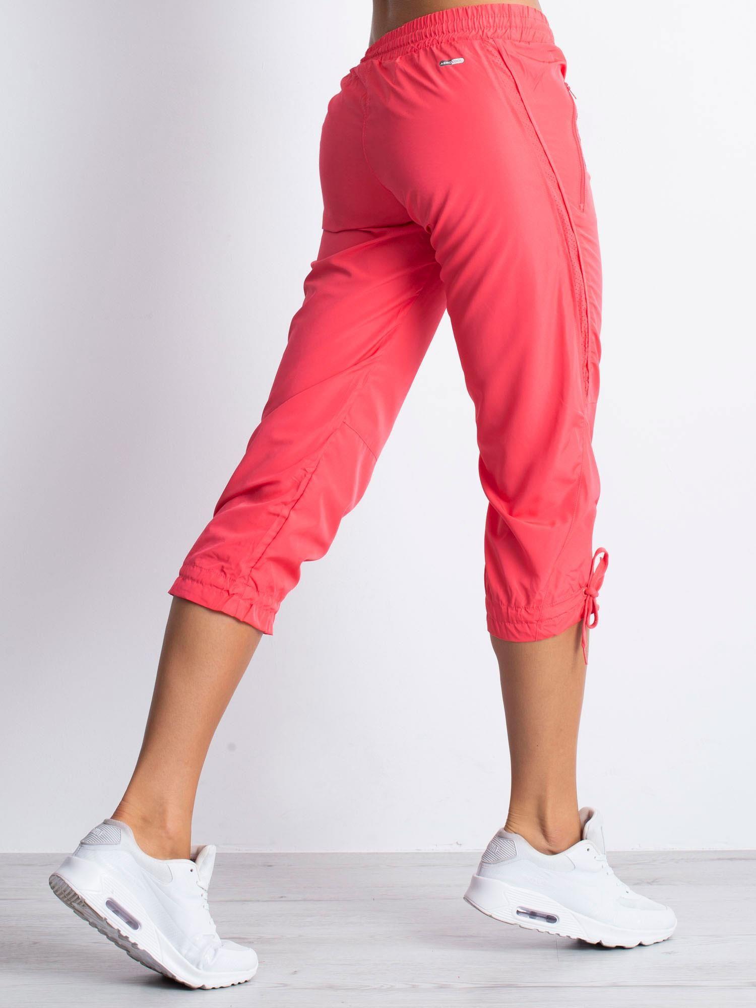 Jasnoróżowe spodnie sportowe capri z siateczką                                  zdj.                                  2