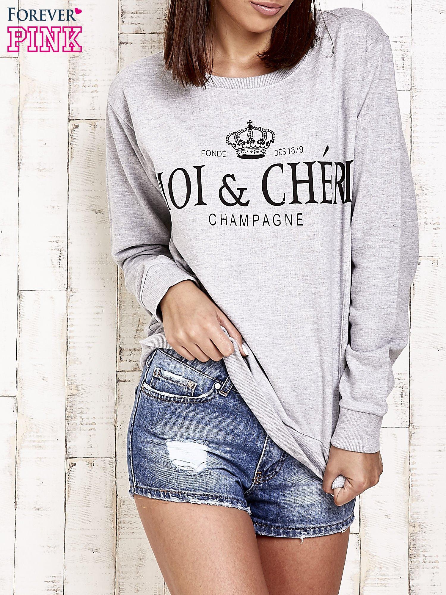 Jasnoszara bluza z napisem MOI & CHÉRI                                  zdj.                                  1