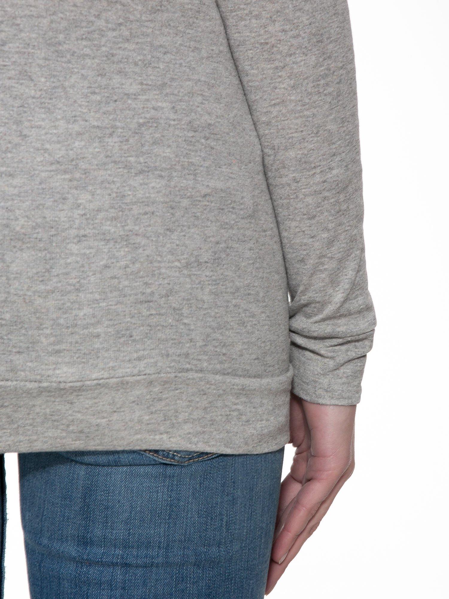 Jasnoszara melanżowa bawełniana bluzka z rękawami typu reglan                                  zdj.                                  6