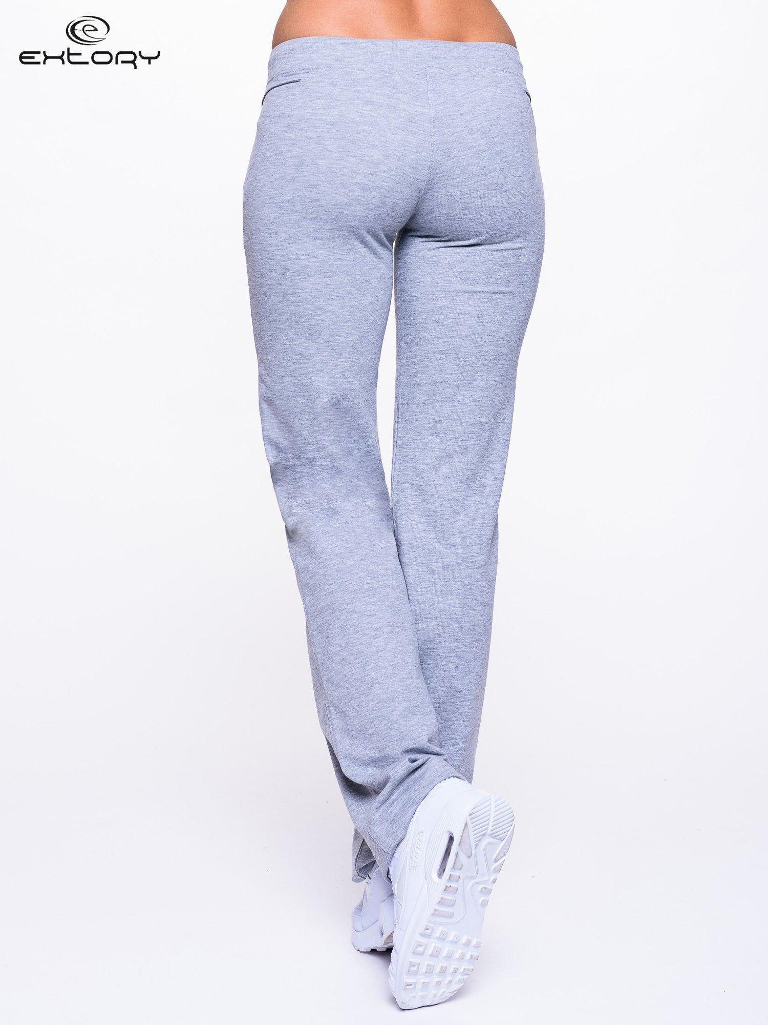 Jasnoszare spodnie dresowe z siateczką                                  zdj.                                  4