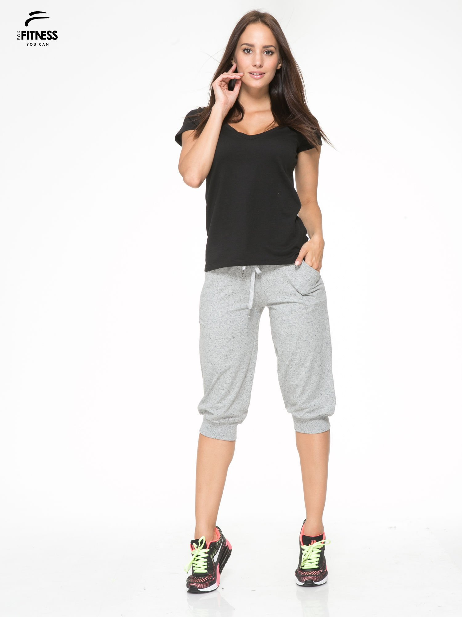 Jasnoszare spodnie sportowe typu capri wiązane w pasie                                  zdj.                                  2