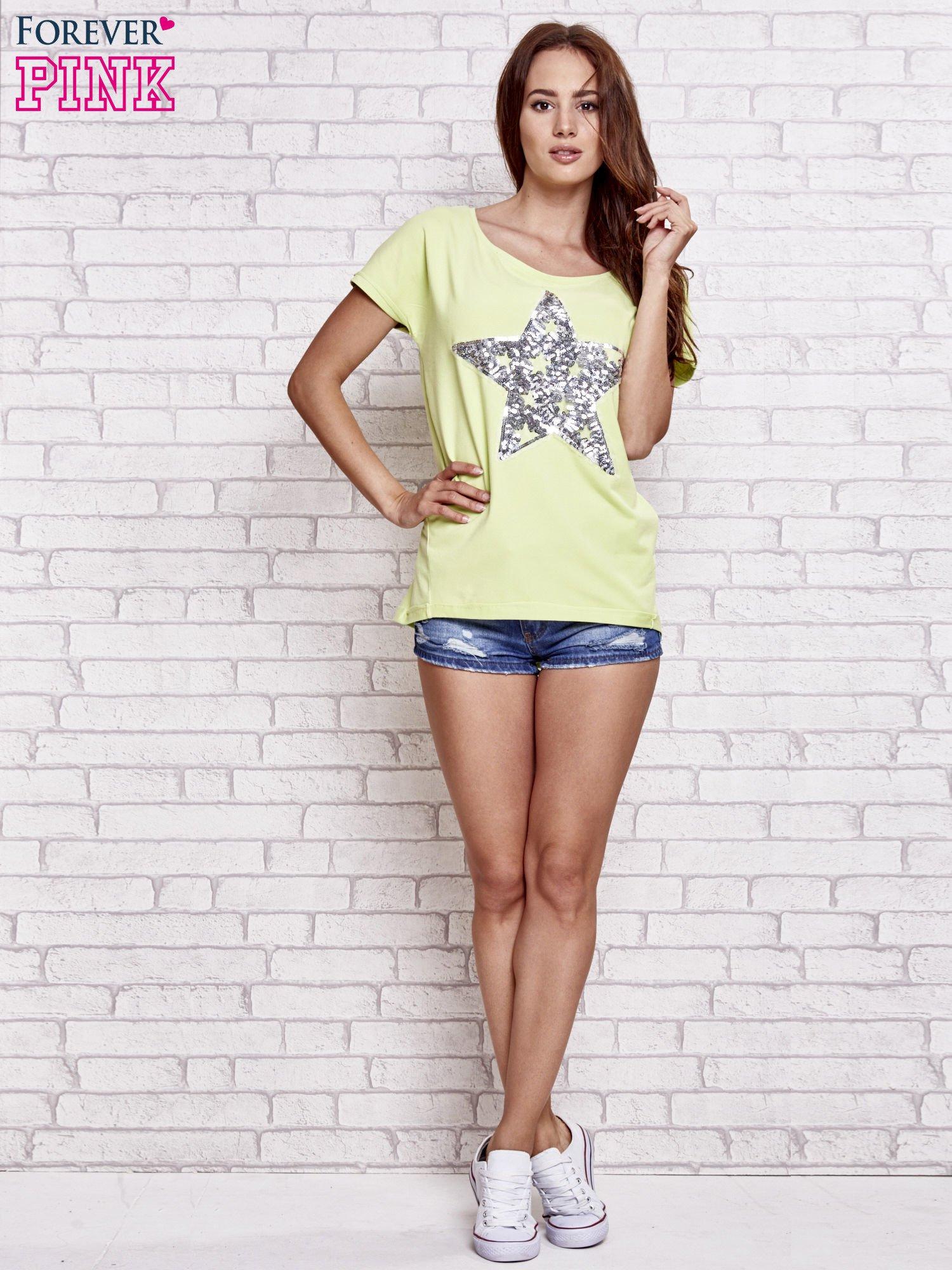 Jasnozielony t-shirt z gwiazdą z cekinów                                  zdj.                                  2