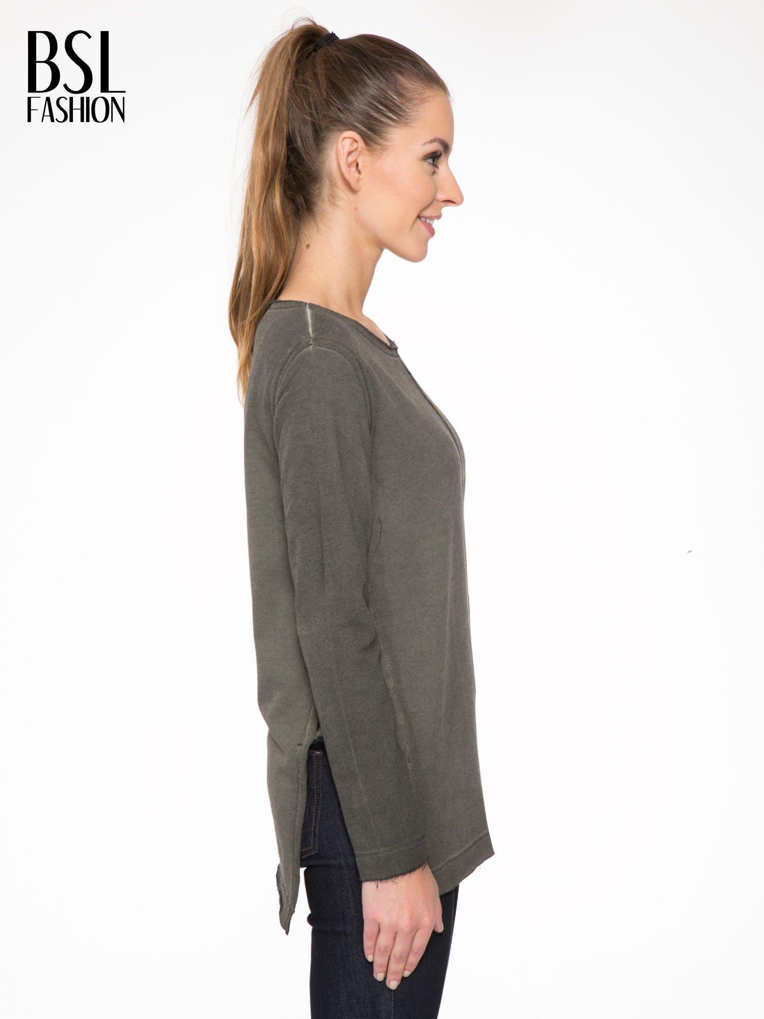 Khaki bluza z surowym wykończeniem i widocznymi szwami                                  zdj.                                  3