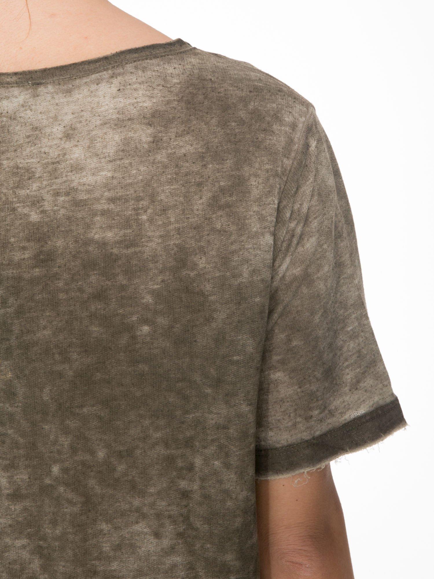 Khaki sukienka typu t-shirt bluzka z efektem dekatyzowania                                  zdj.                                  7