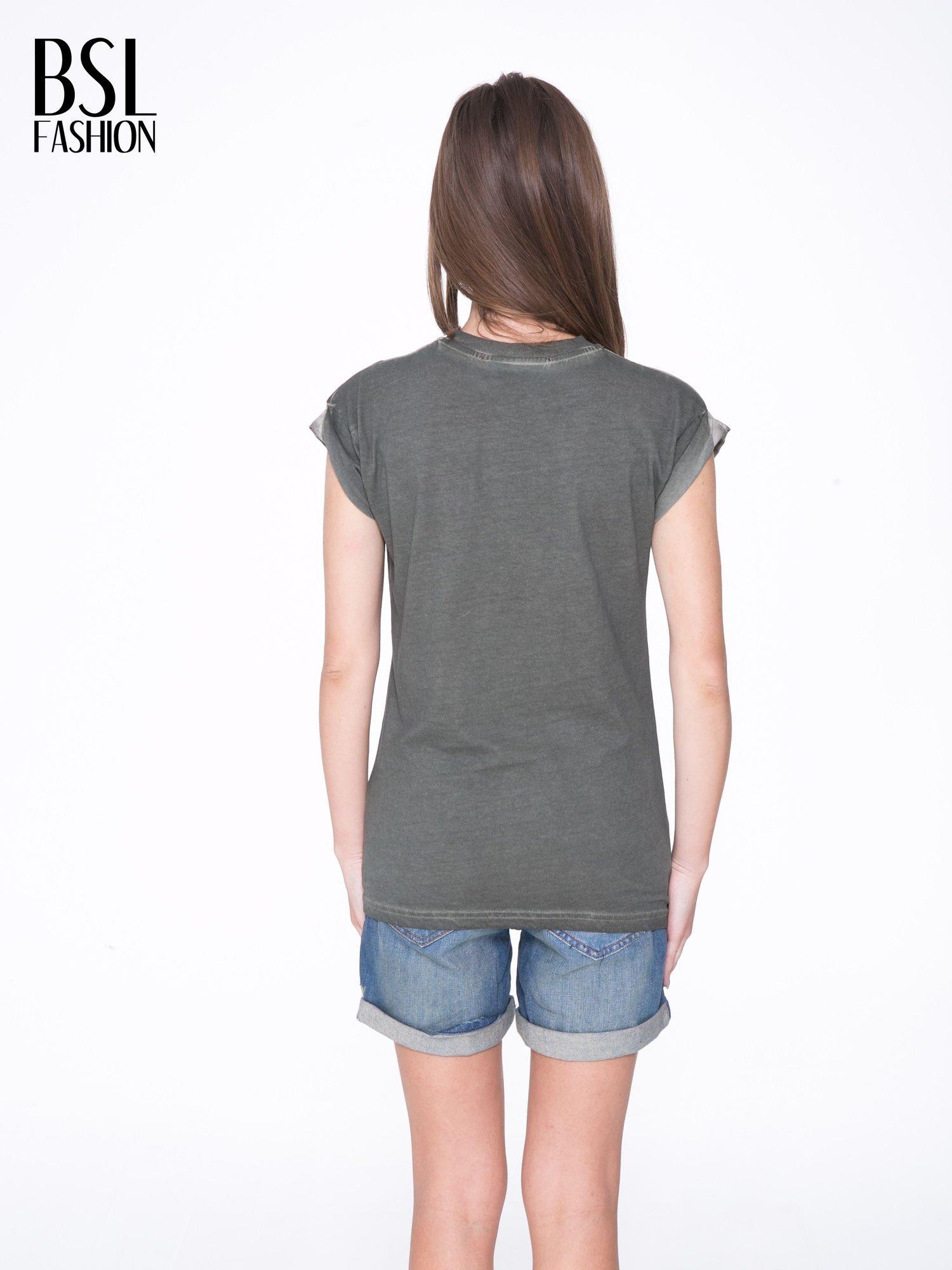 Khaki t-shirt z nadrukiem GUNS N' ROSES                                  zdj.                                  4