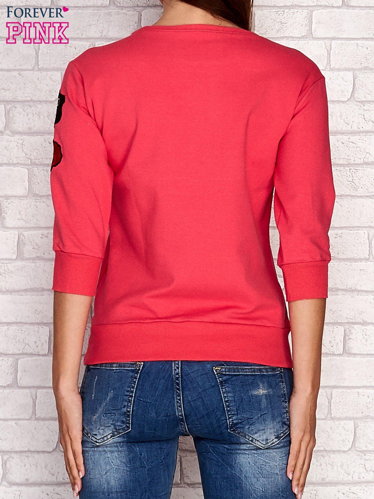 Koralowa bluza z naszywkami na rękawie                                  zdj.                                  4