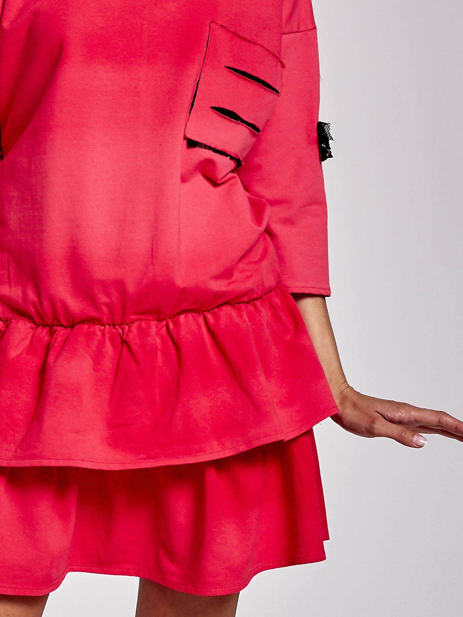Koralowa sukienka dresowa ombre z podwójną falbaną                                  zdj.                                  5