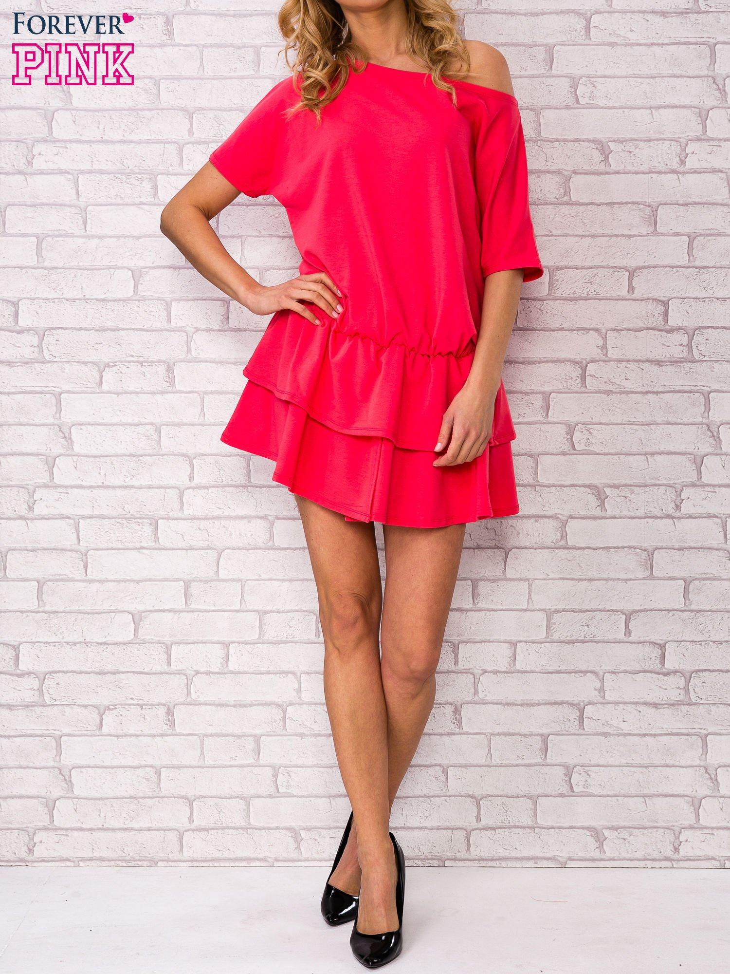 Koralowa sukienka dresowa z podwójną falbaną                                  zdj.                                  5