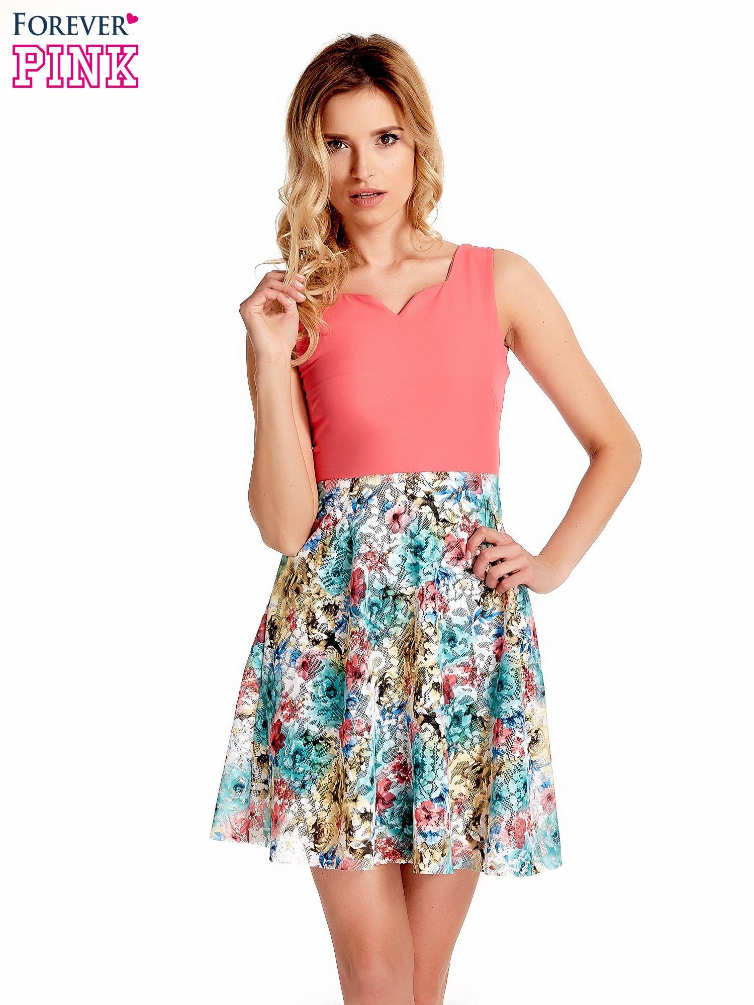 Koralowa sukienka z kwiatowym dołem                                  zdj.                                  1