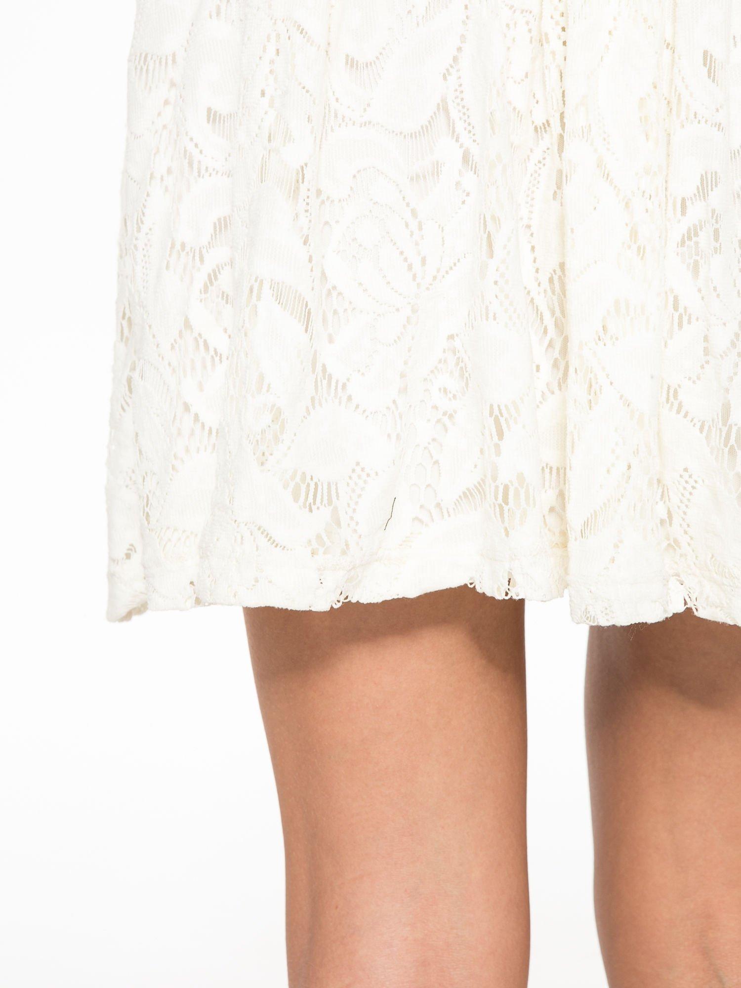 Kremowa koronkowa mini spódniczka na gumkę                                  zdj.                                  6
