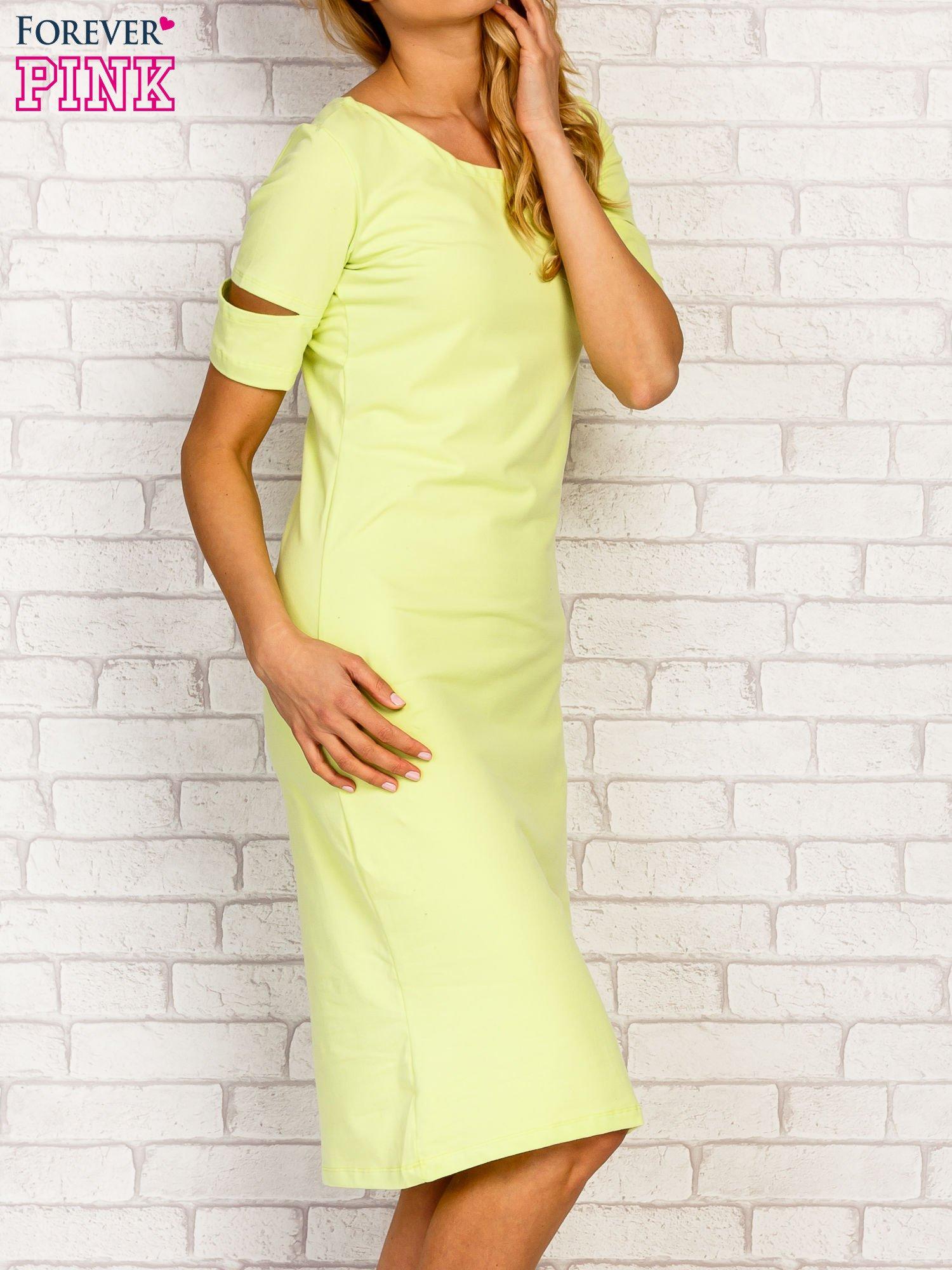Limonkowa sukienka z rozcięciami na rękawach                                  zdj.                                  3