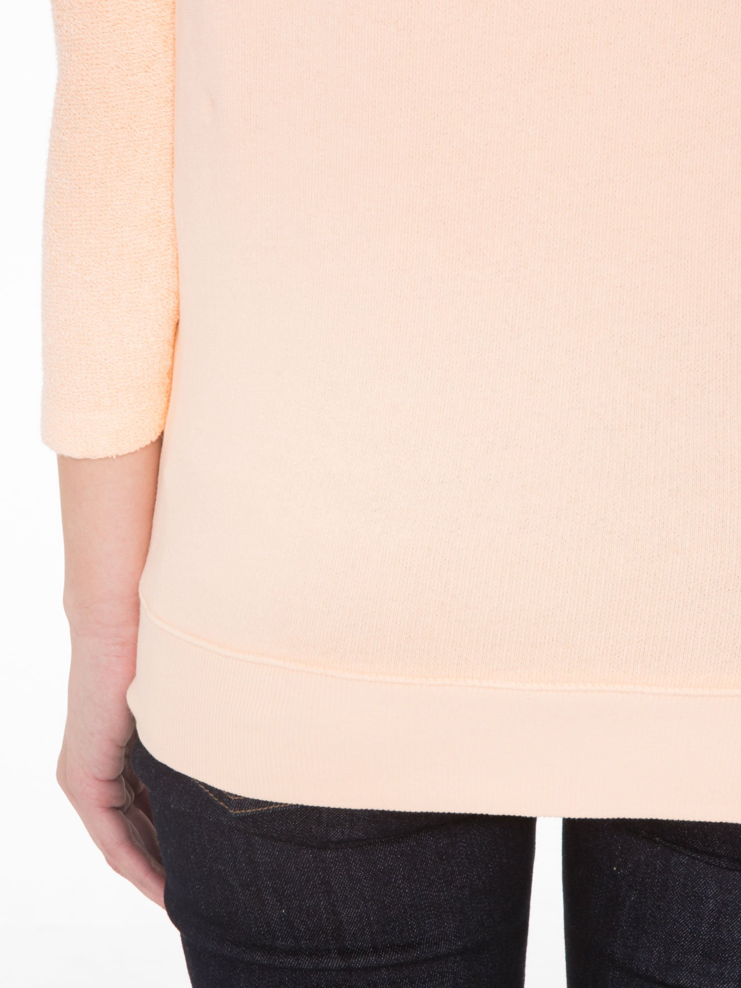 Łososiowa bluza oversize z łączonych materiałów                                  zdj.                                  8