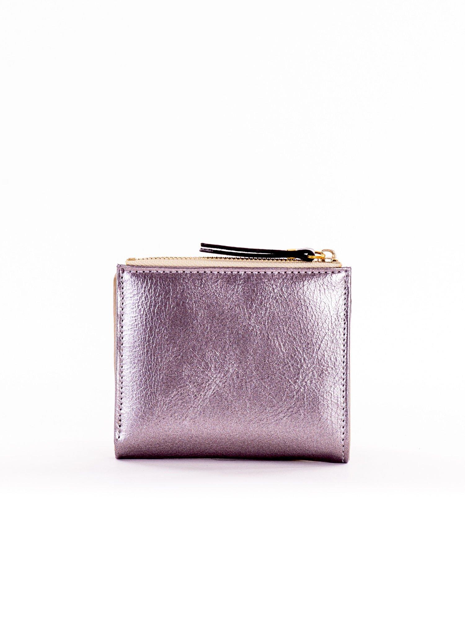 53e53a72ce275 Mały srebrny płaski portfel damski - Akcesoria portfele - sklep ...