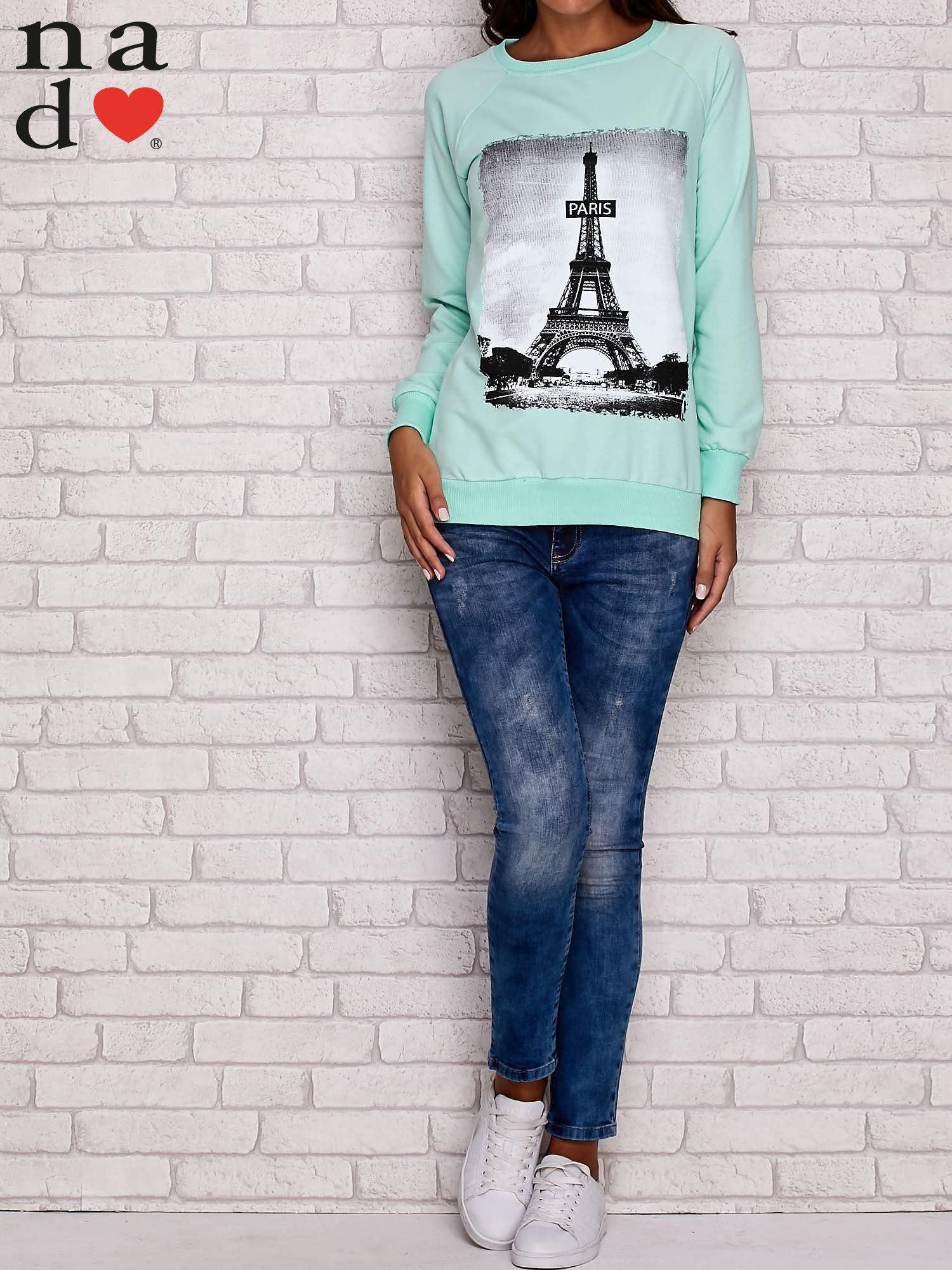 Miętowa bluza z motywem Wieży Eiffla                                  zdj.                                  3