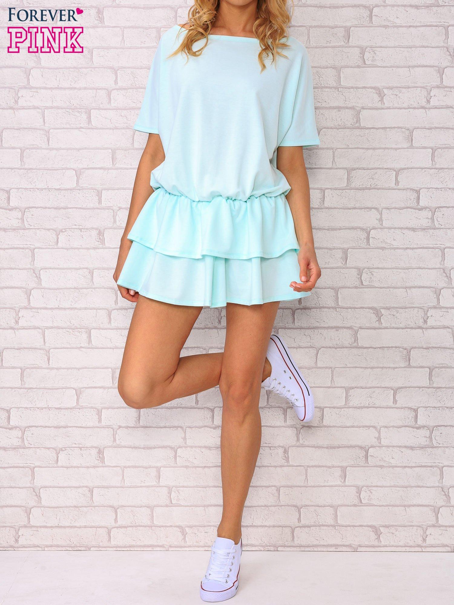 Miętowa sukienka dresowa z podwójną falbaną                                  zdj.                                  4