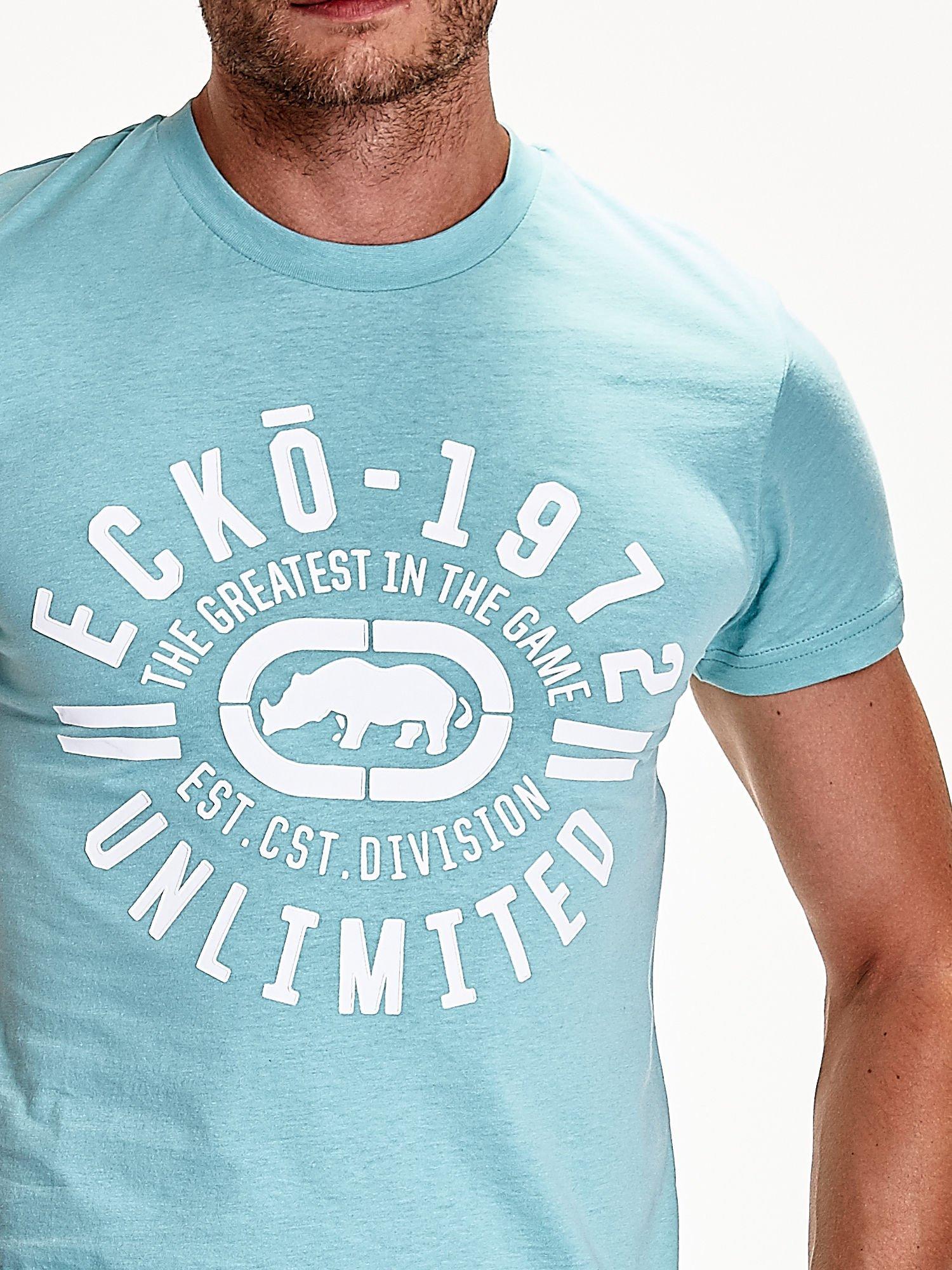 Miętowy t-shirt męski z białym logiem                                  zdj.                                  7