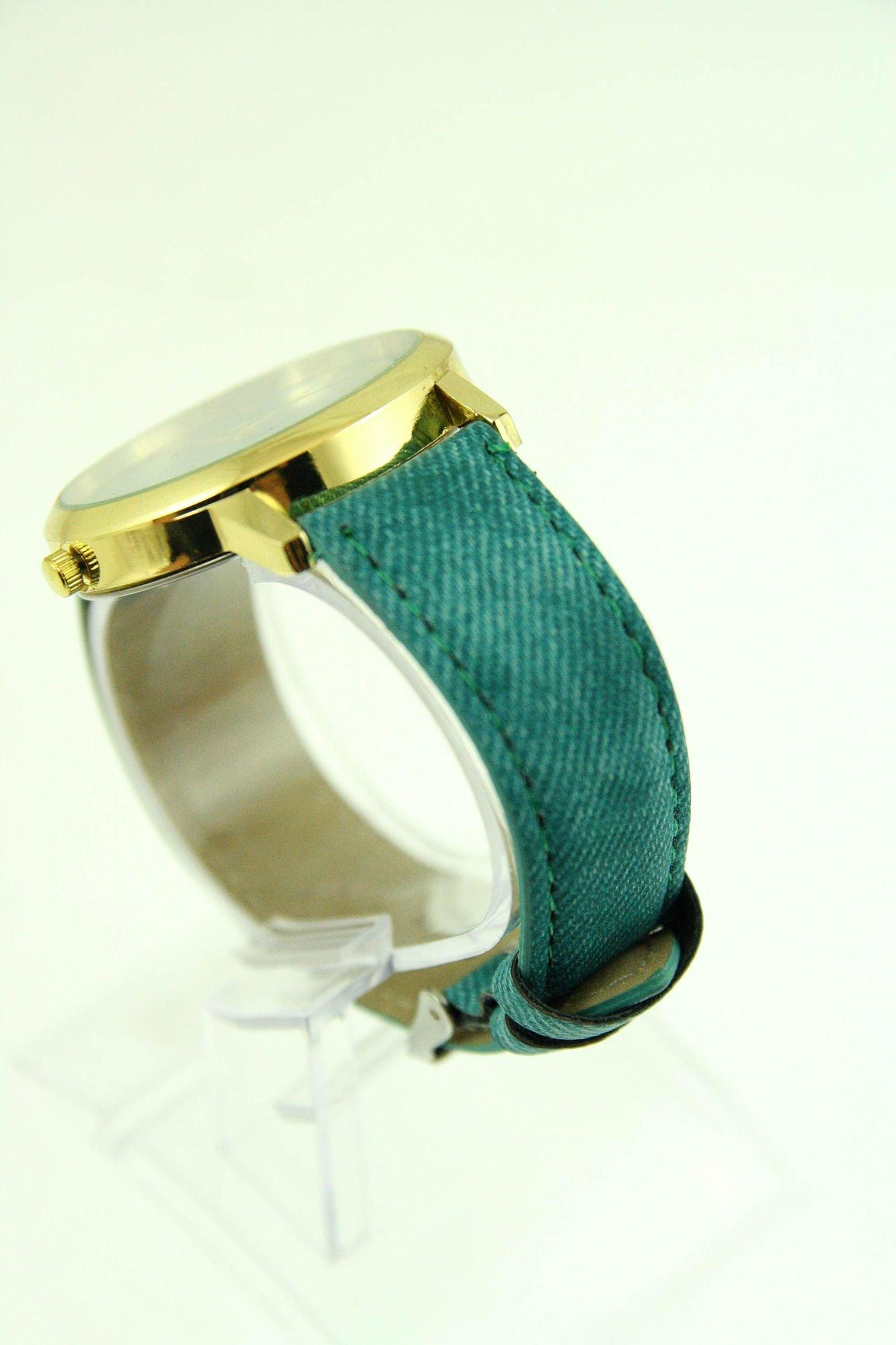 Miętowy zegarek damski z imitacją jeansu na skórzanym pasku                                  zdj.                                  3