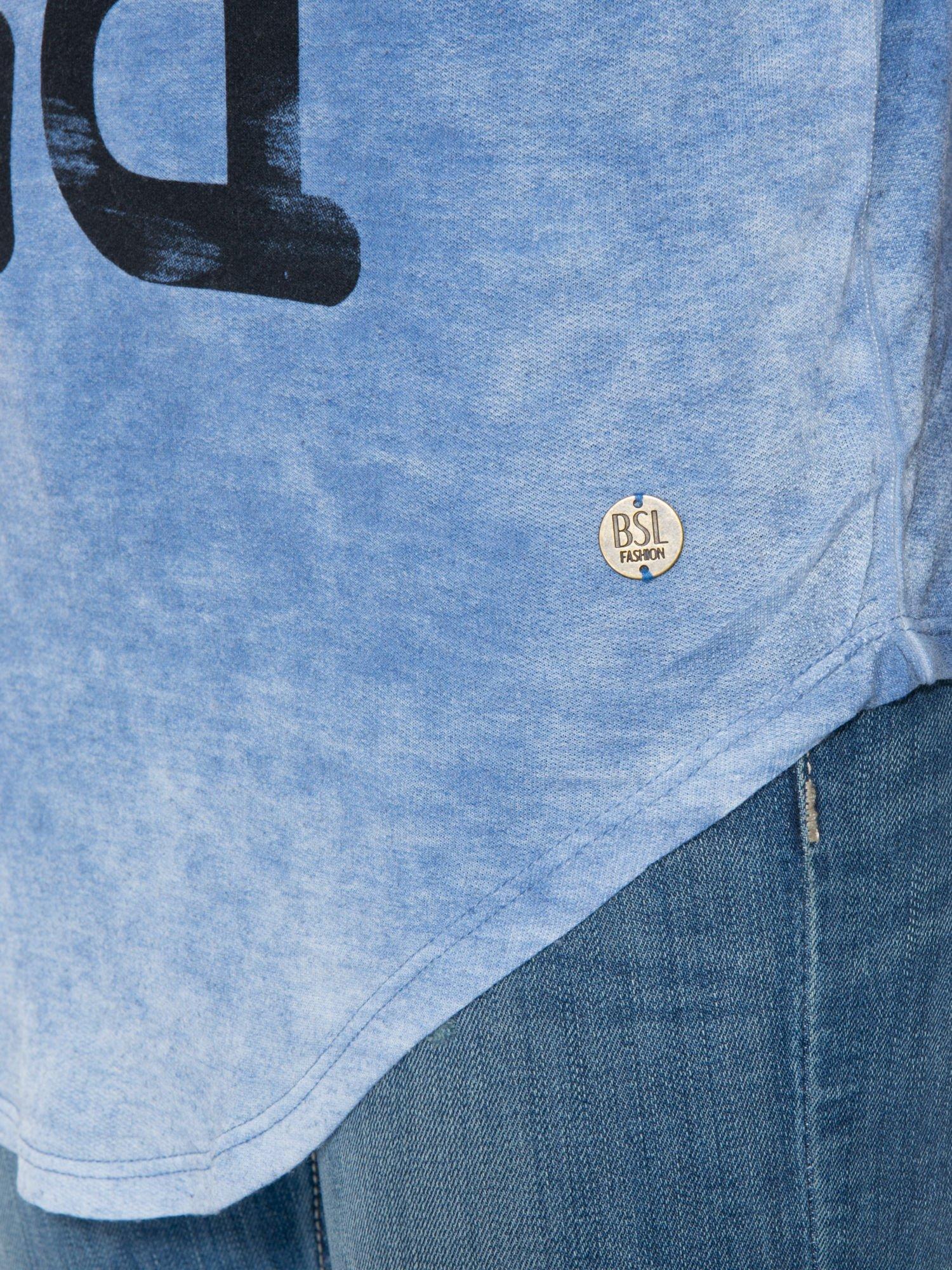 Niebieska bluzka z nadrukiem I LOVE BSL i efektem sprania                                  zdj.                                  9