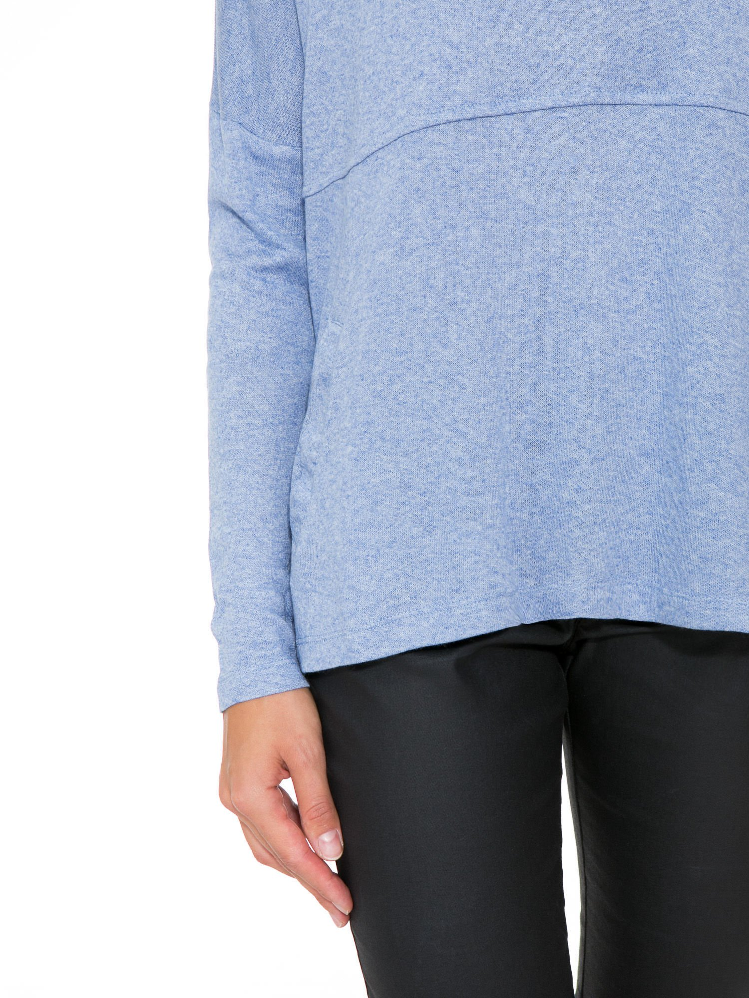 Niebieska dresowa bluza oversize z kieszeniami                                  zdj.                                  8