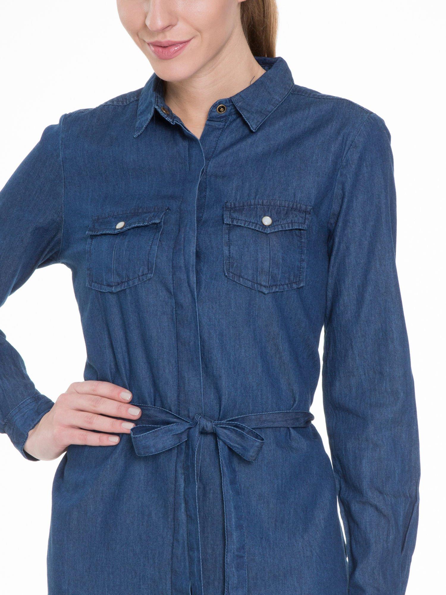 Niebieska jeansowa sukienka typu szmizjerka                                  zdj.                                  5
