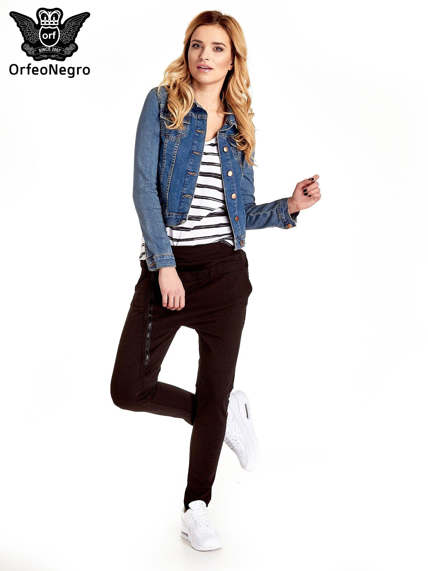 Niebieska klasyczna kurtka jeansowa damska                                  zdj.                                  2
