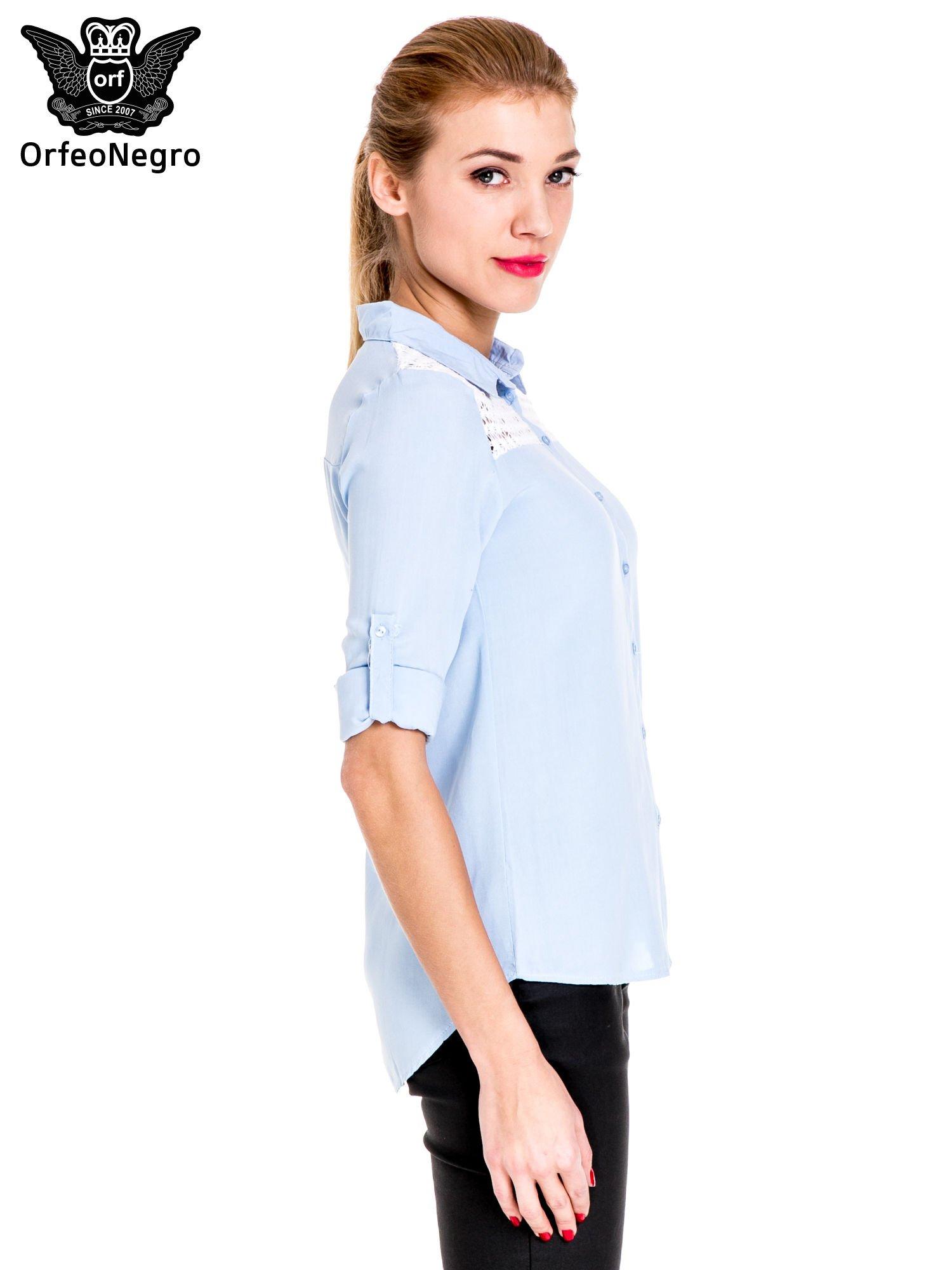 Niebieska koszula damska z koronkową górą                                  zdj.                                  5