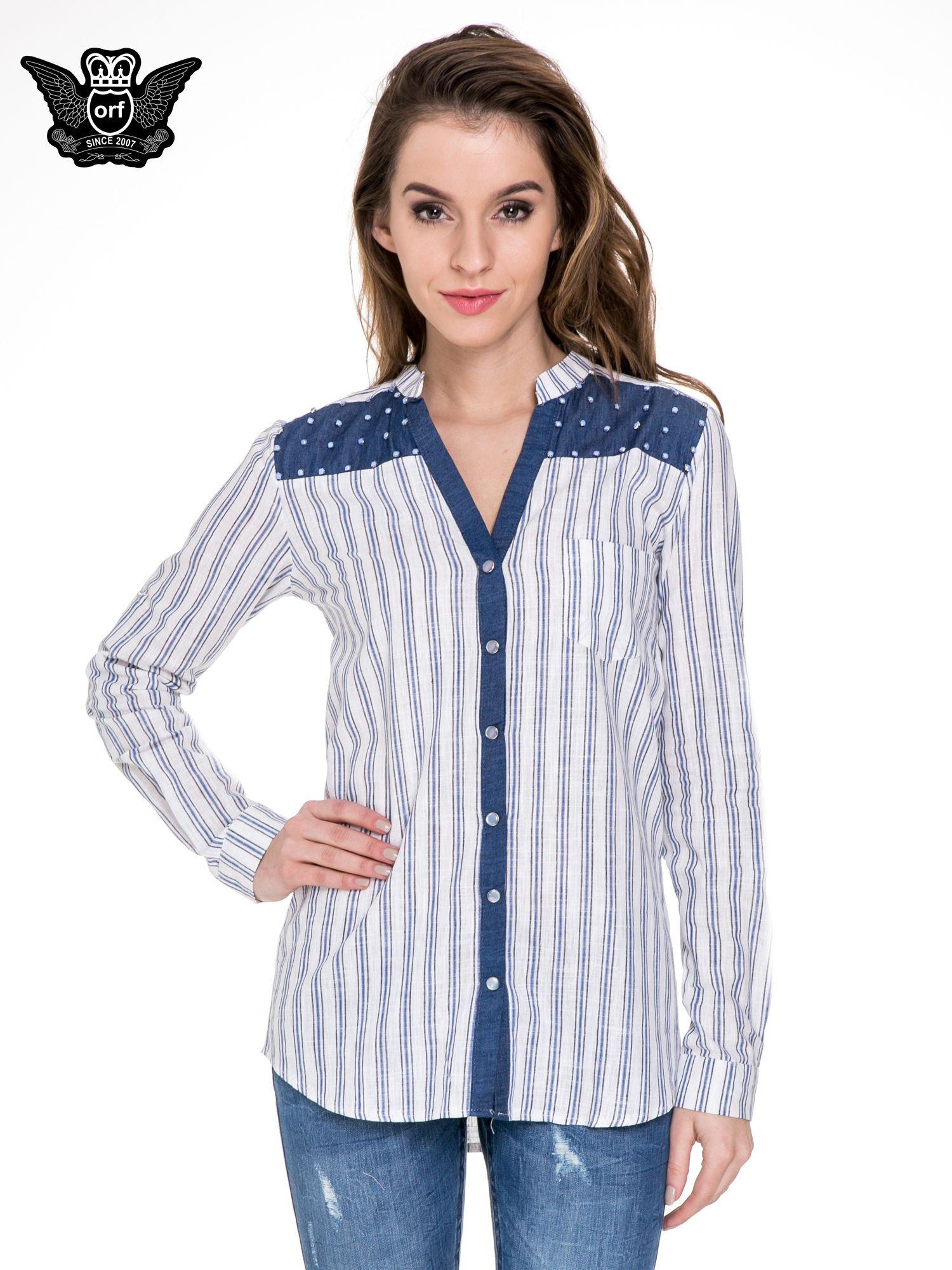 Niebieska koszula w paski z listwą z denimu i dżetami                                  zdj.                                  1