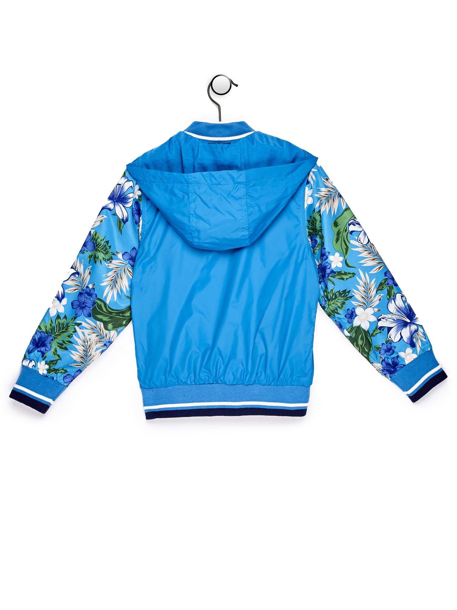 Niebieska kurtka dziecięca z kwiatowymi rękawami