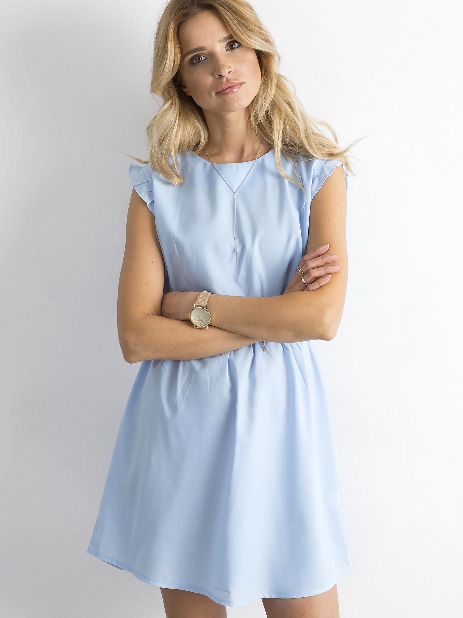 39bd3d2bd3 Niebieska sukienka z falbanami na rękawach - Sukienka na co dzień - sklep  eButik.pl