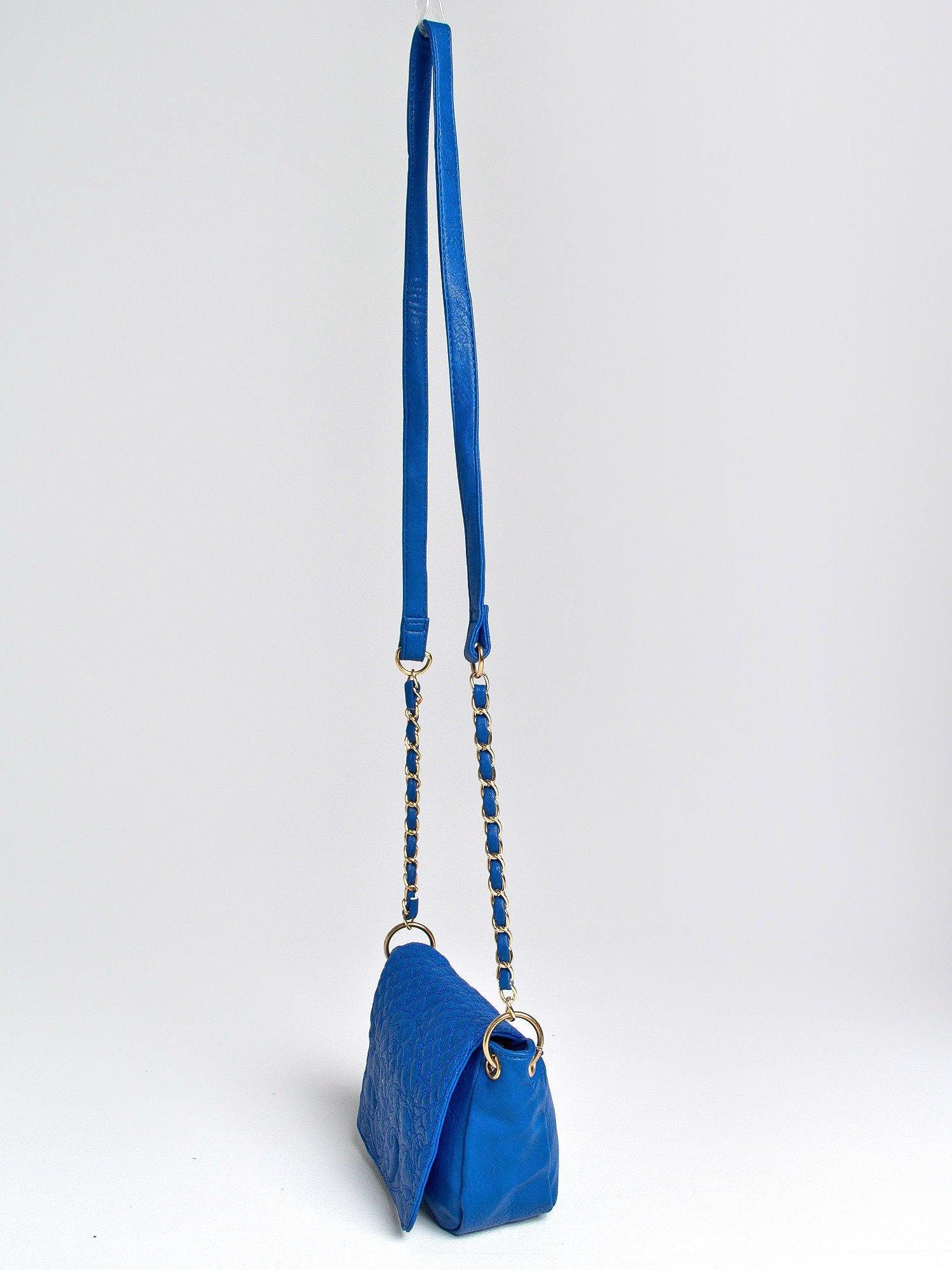 Niebieska torebka na ramię na pasku łańcuszku                                  zdj.                                  3