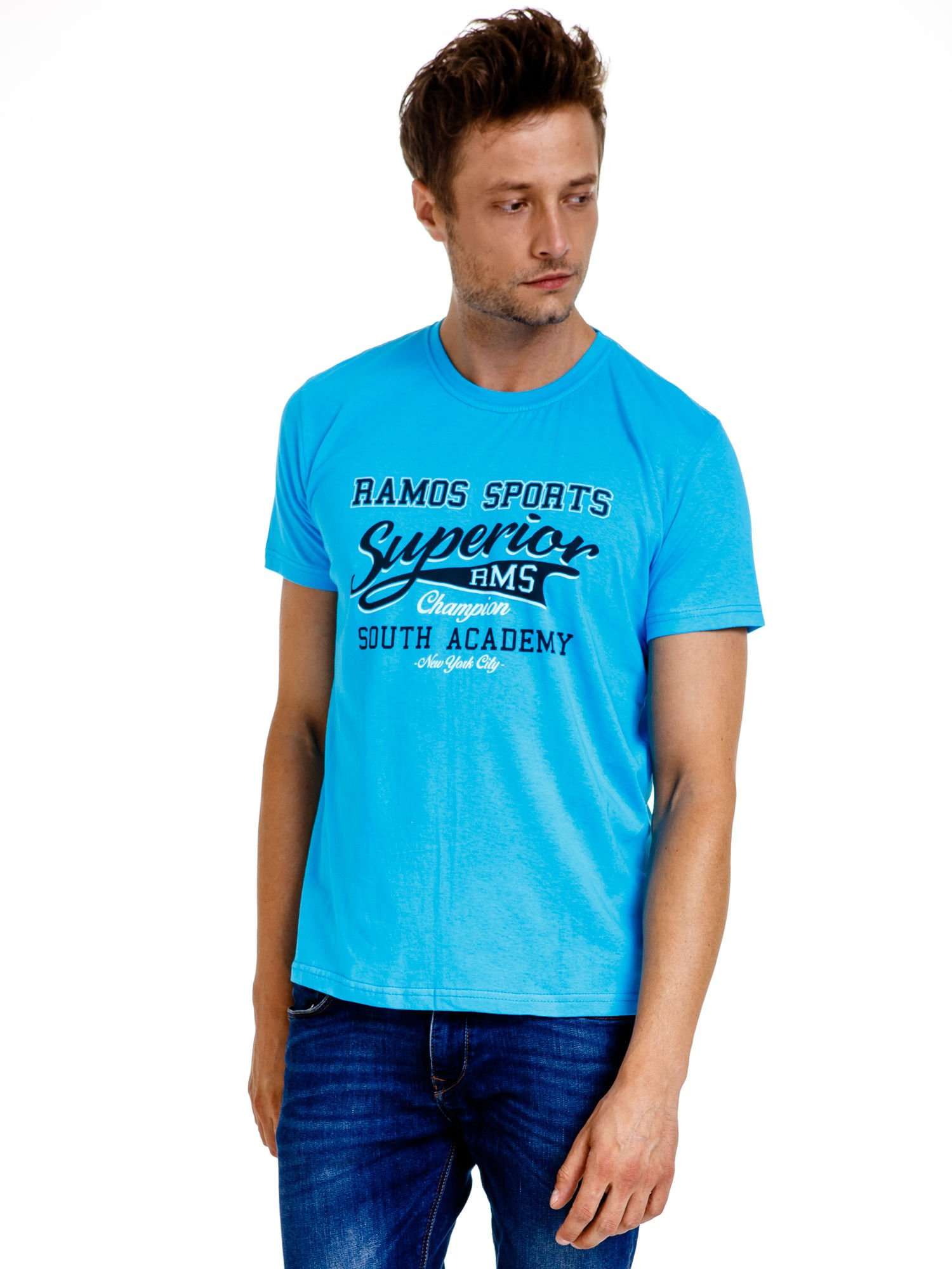 Niebieski t-shirt męski ze sportowym nadrukiem i napisem SUPERIOR                                  zdj.                                  2