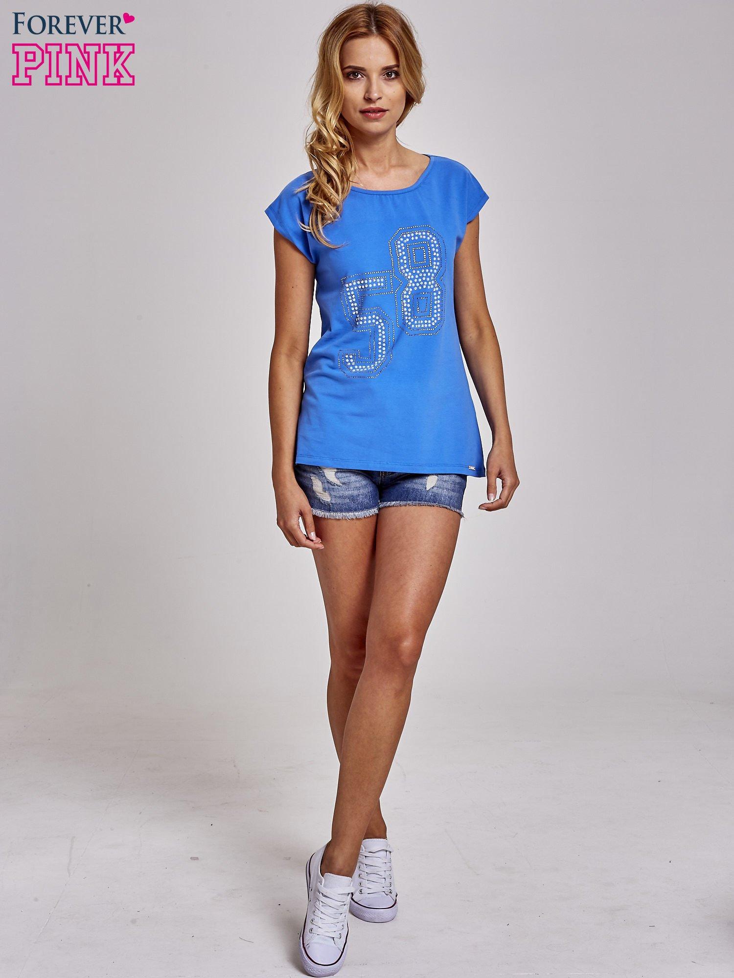 Niebieski t-shirt z numerem 58 z dżetów                                  zdj.                                  2