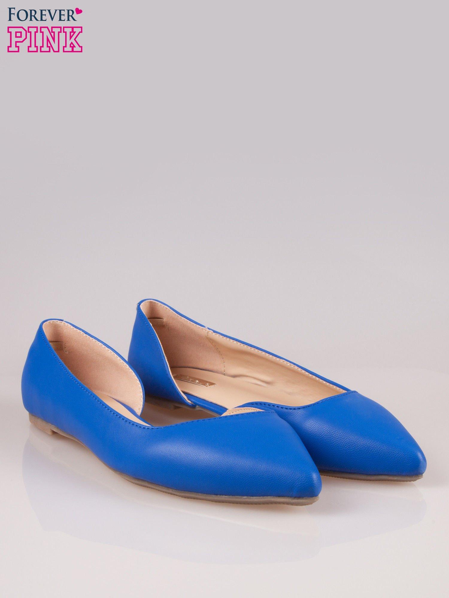 Niebieskie baleriny faux leather Cookie w szpic z wycięciem z boku                                  zdj.                                  2