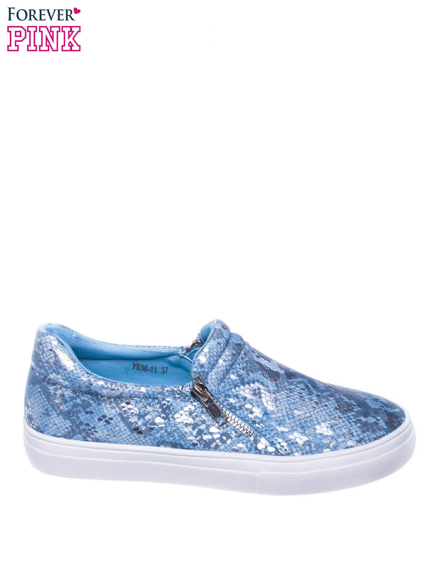 Niebieskie buty slip on ze skóry węża                                  zdj.                                  1