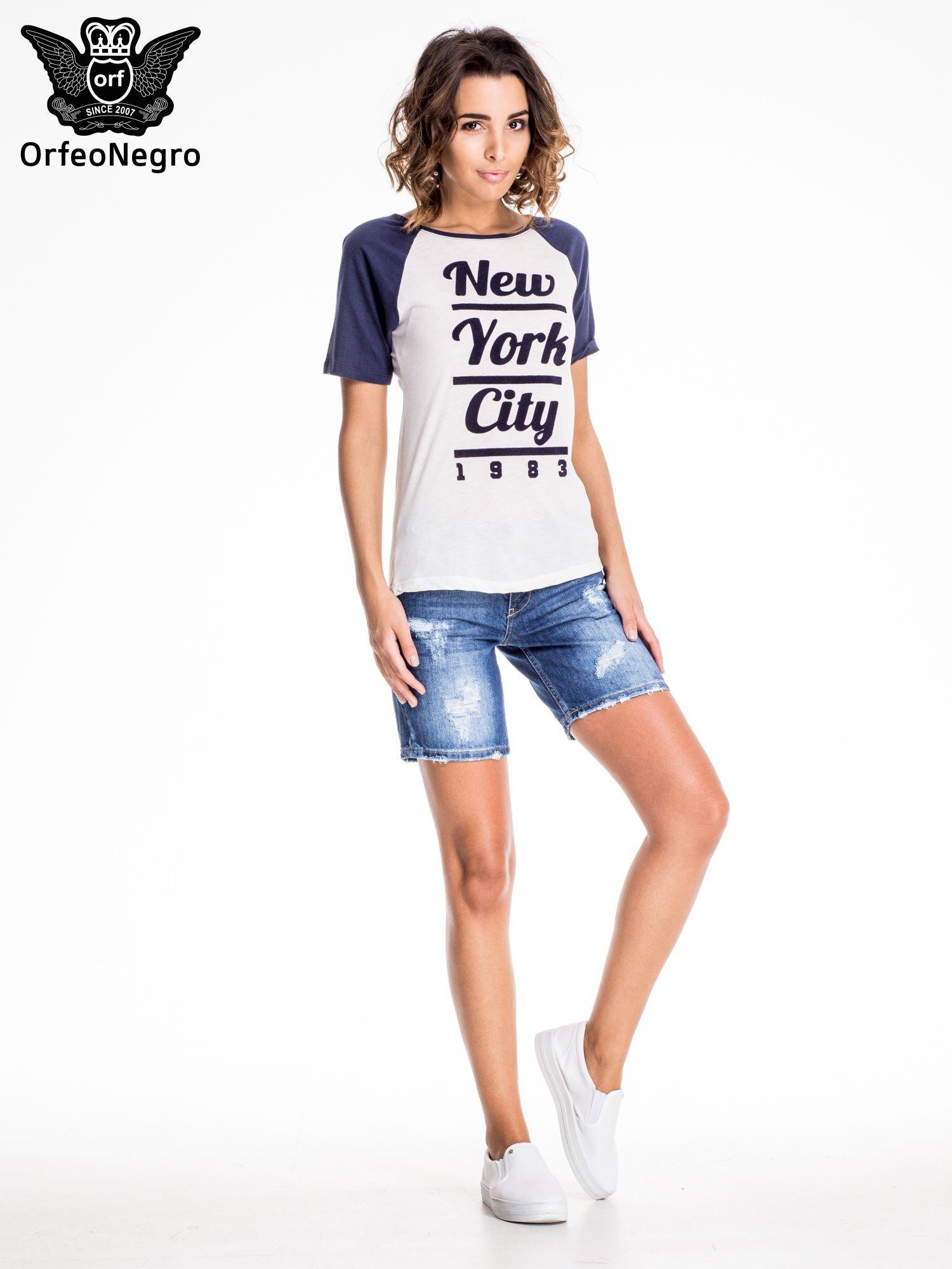 Niebieskie jeansowe szorty z przecieraną nogawką                                  zdj.                                  6
