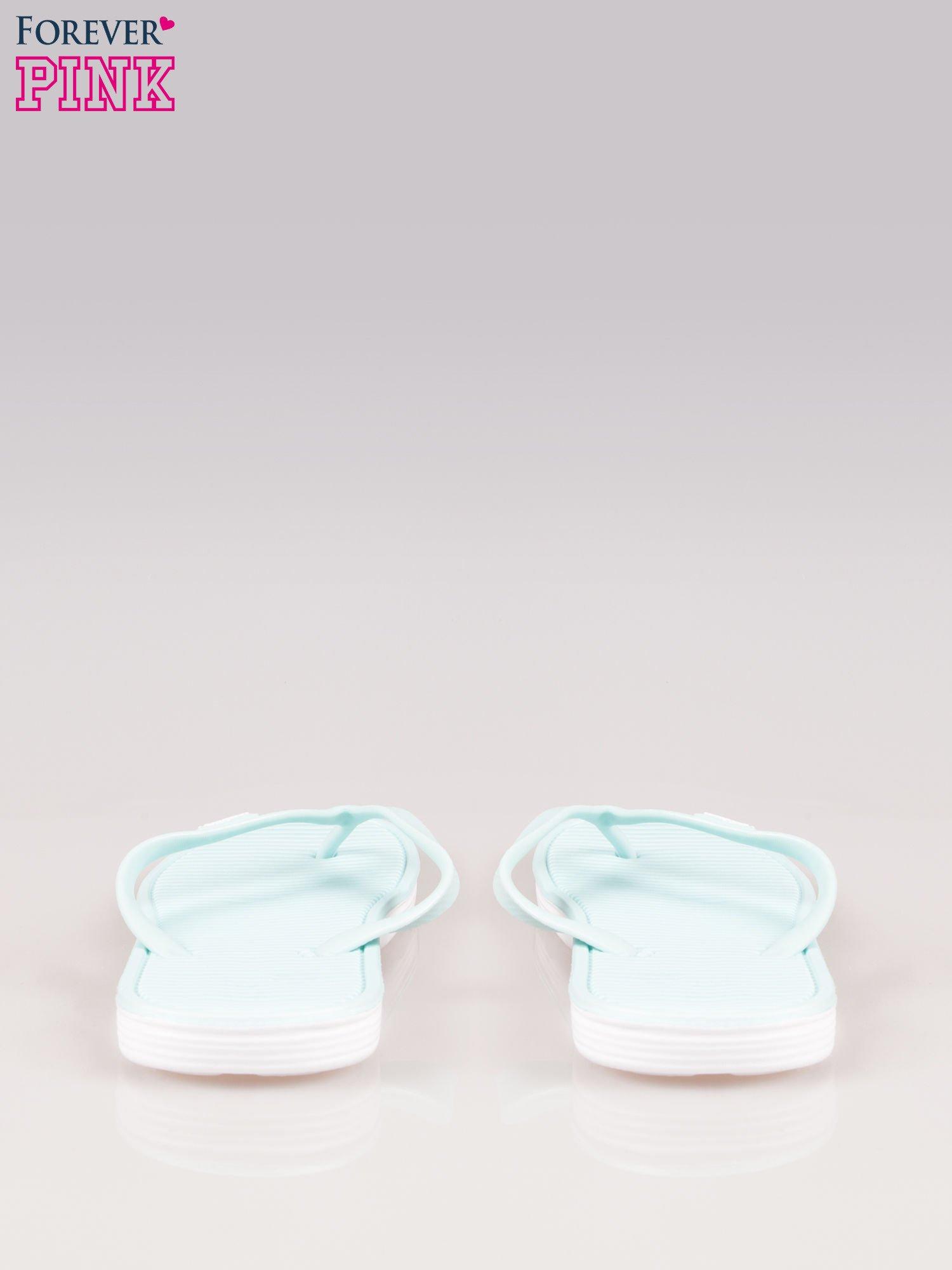 Niebieskie kąpielowe japonki na kontrastowej podeszwie                                  zdj.                                  3