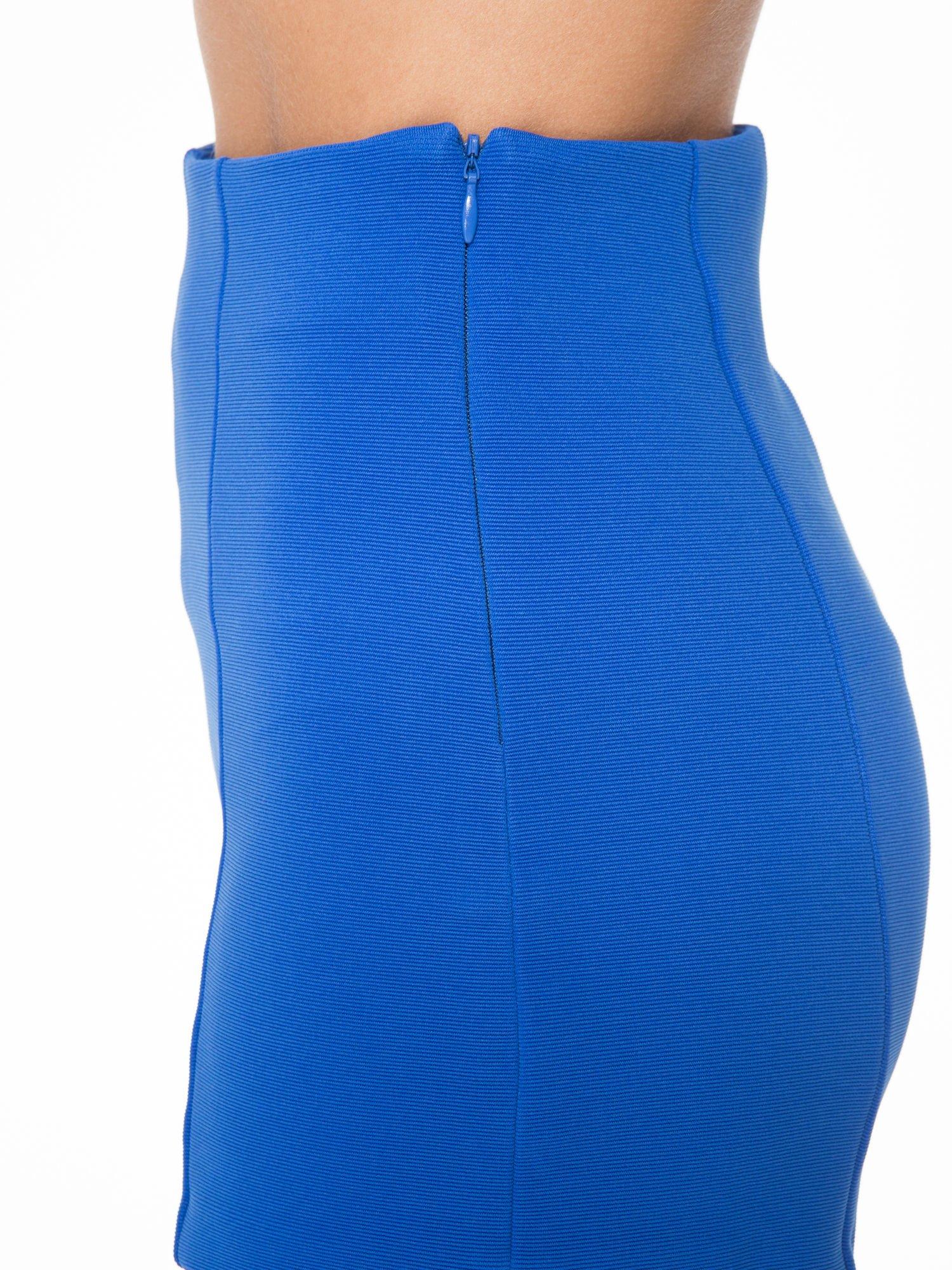 Niebieskie szorty metariałowe z wysokim stanem                                  zdj.                                  8