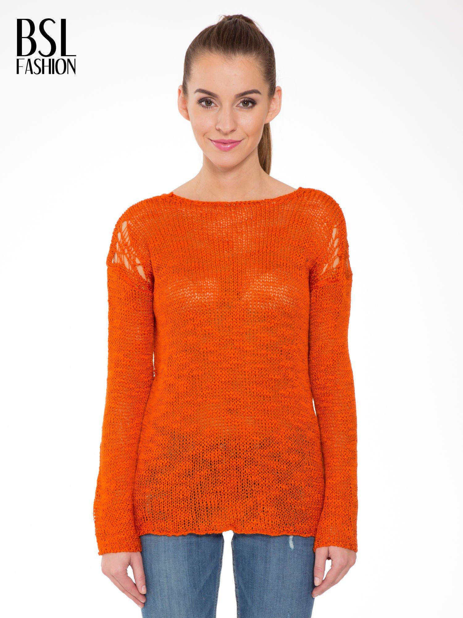 Pomarańczowy sweter z oczkami przy ramionach                                  zdj.                                  1