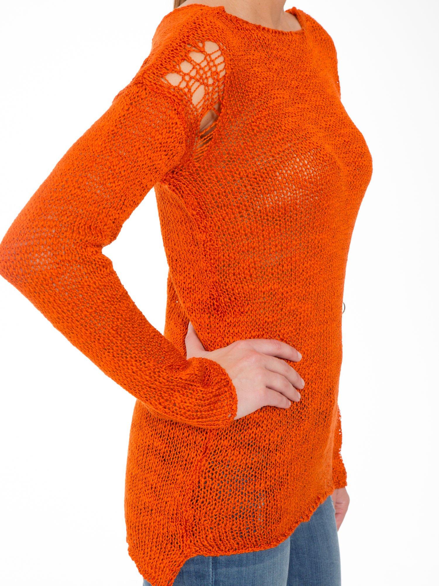 Pomarańczowy sweter z oczkami przy ramionach                                  zdj.                                  7