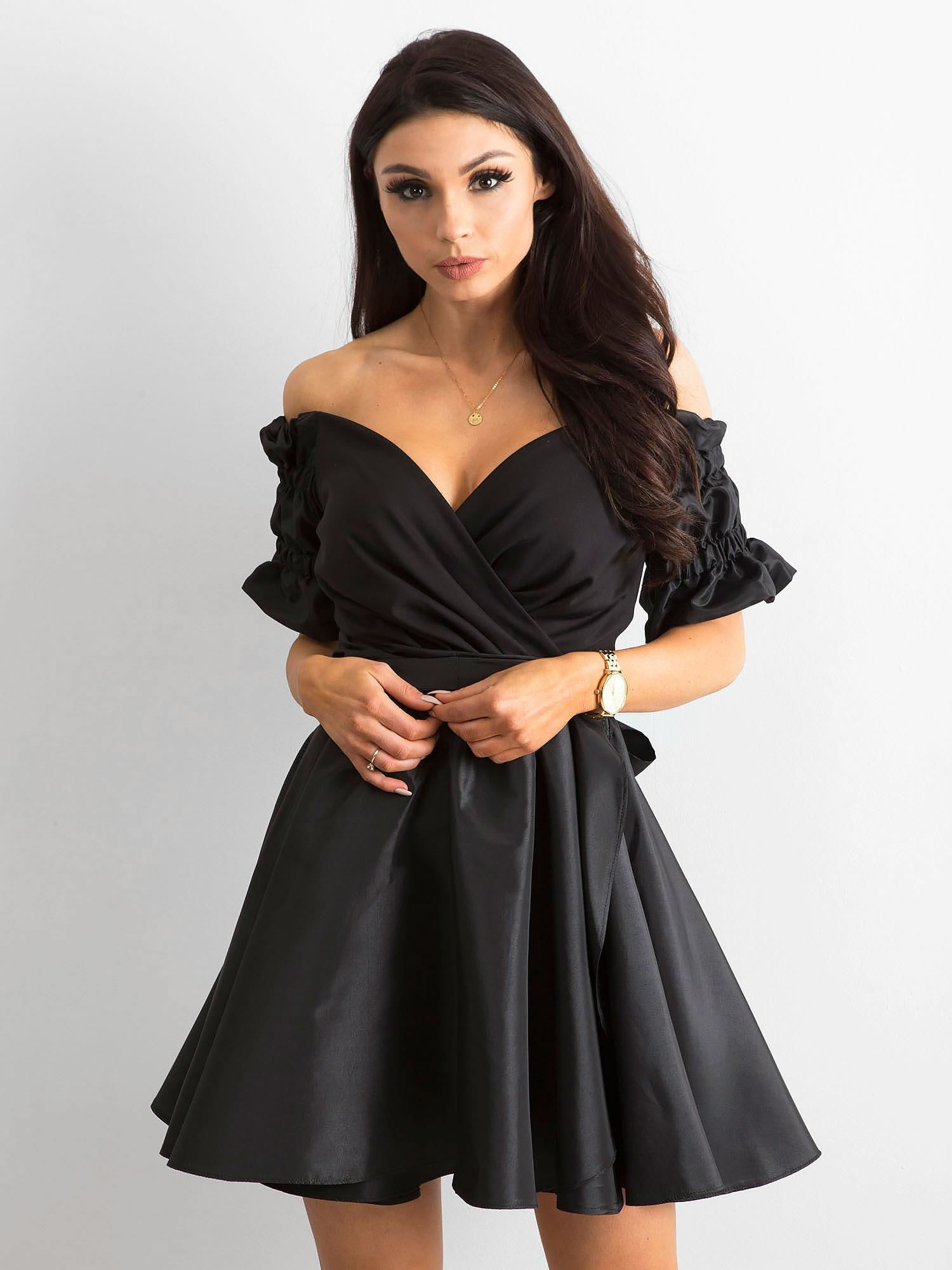 1d3408c3e2 Rozkloszowana sukienka czarna BY O LA LA - Sukienka rozkloszowana ...