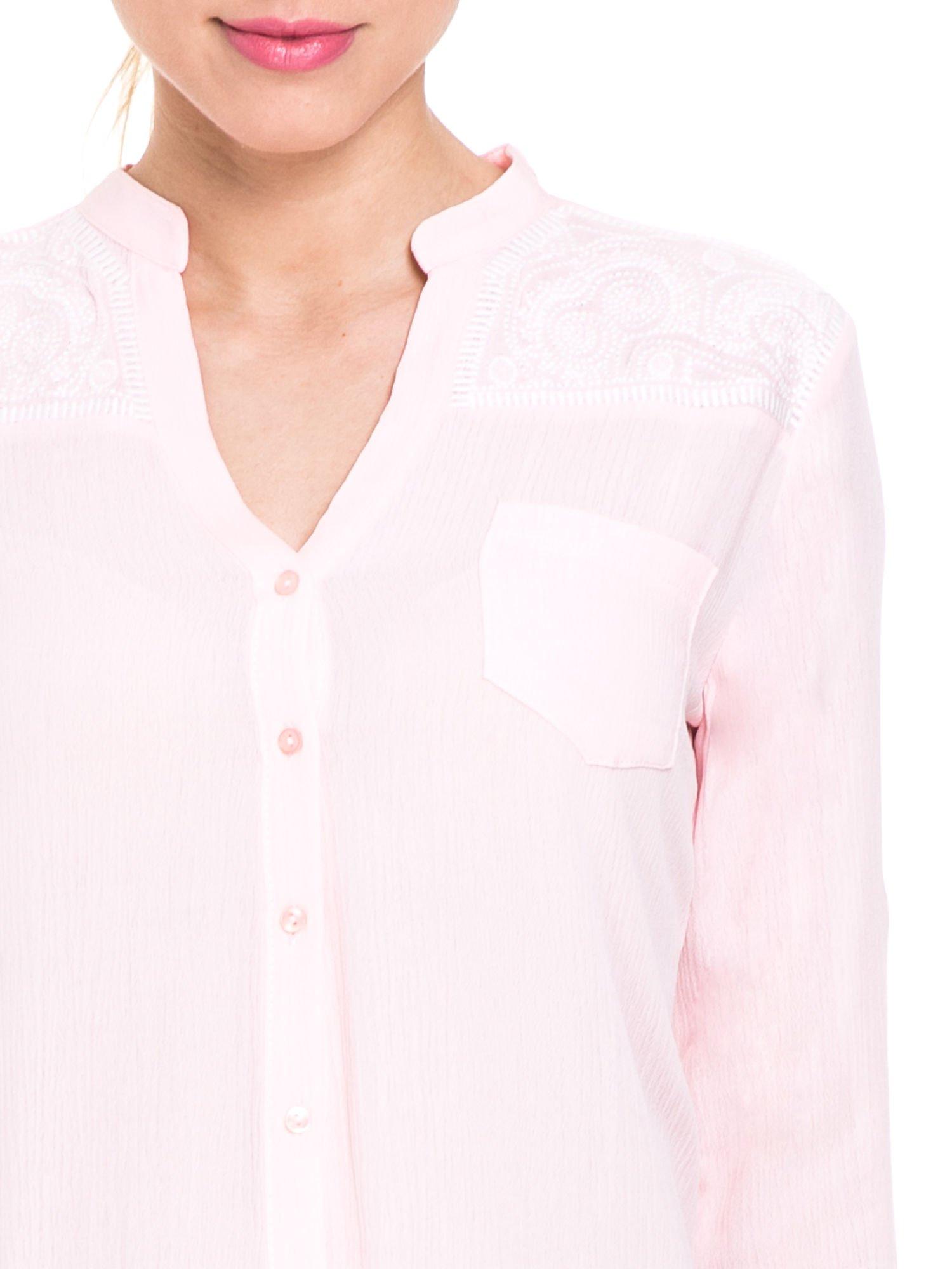 Różowa koszula damska z haftem na ramionach                                  zdj.                                  7