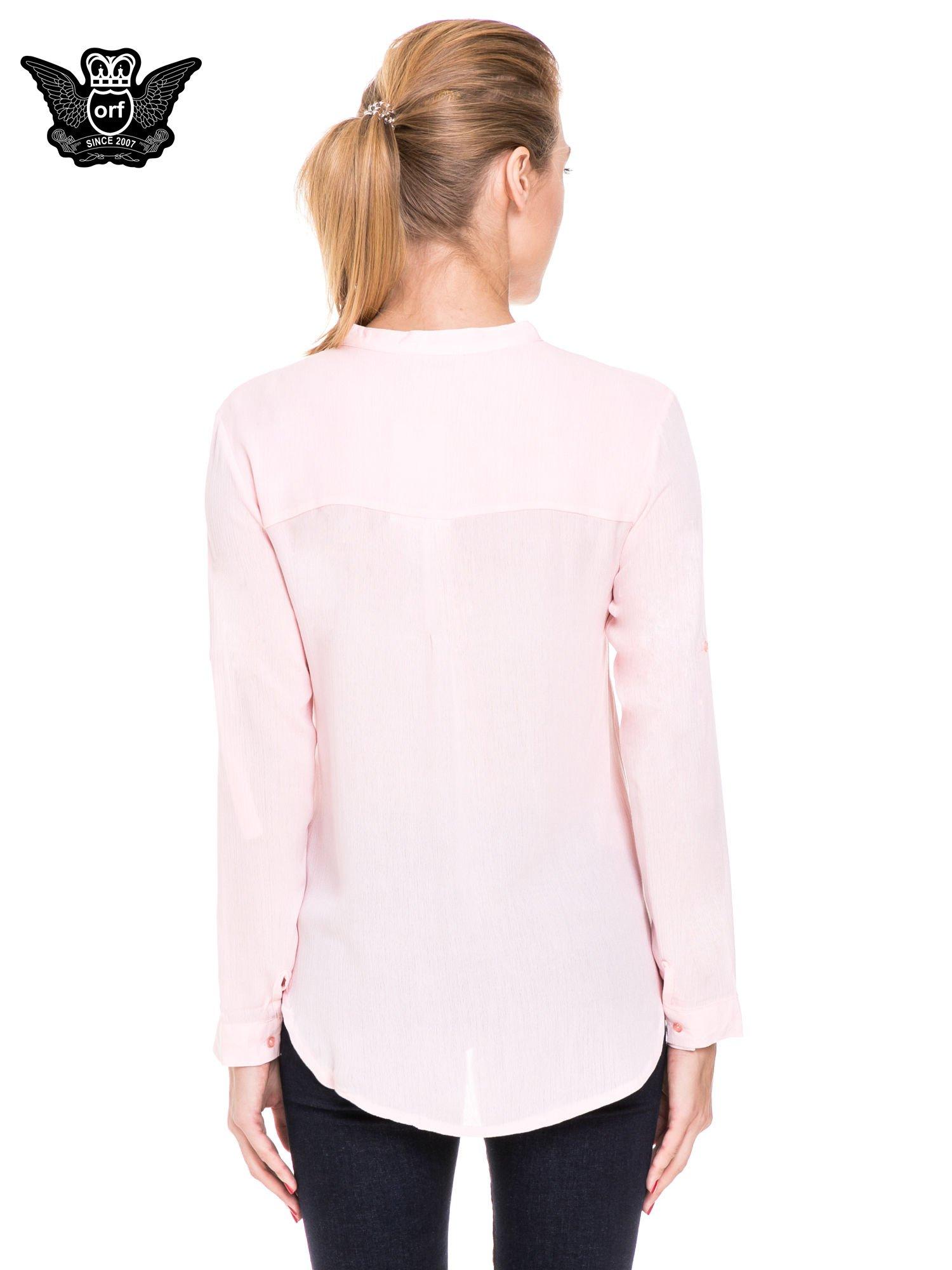 Różowa koszula damska z haftem na ramionach                                  zdj.                                  4