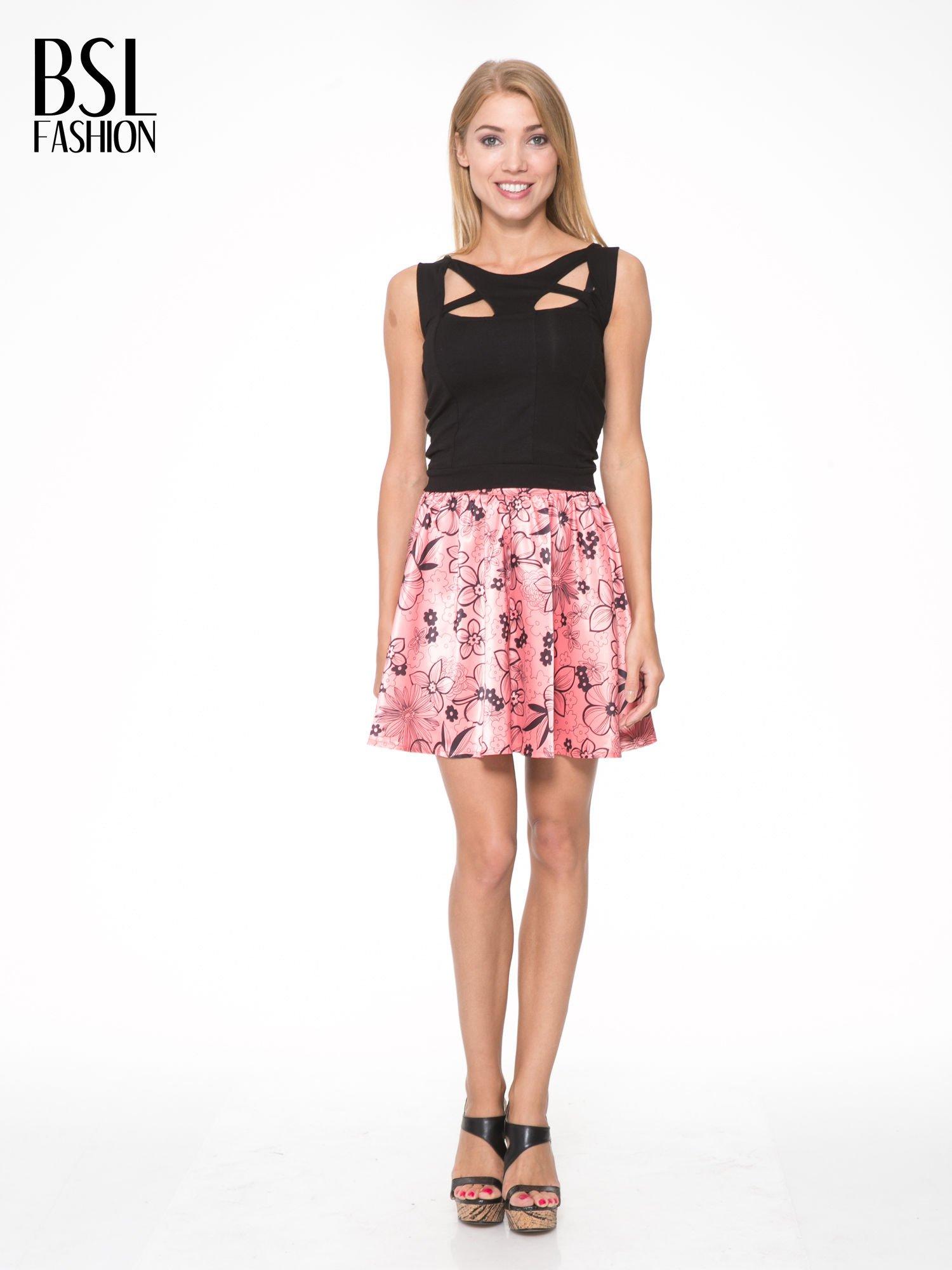 Różowa rozkloszowana spódnica skater w kwiaty                                  zdj.                                  2