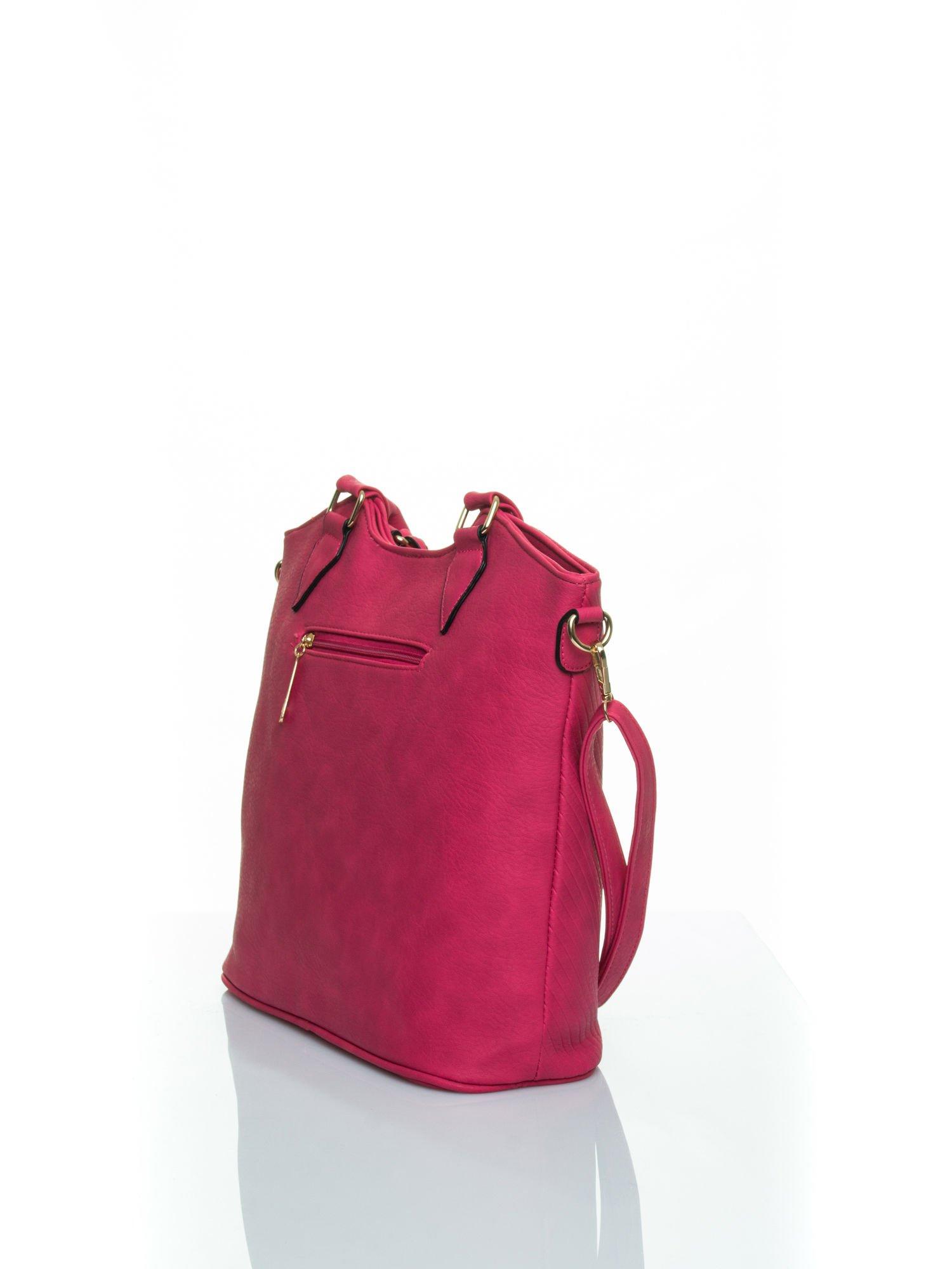 Różowa torebka fakturowana w pasy                                   zdj.                                  4