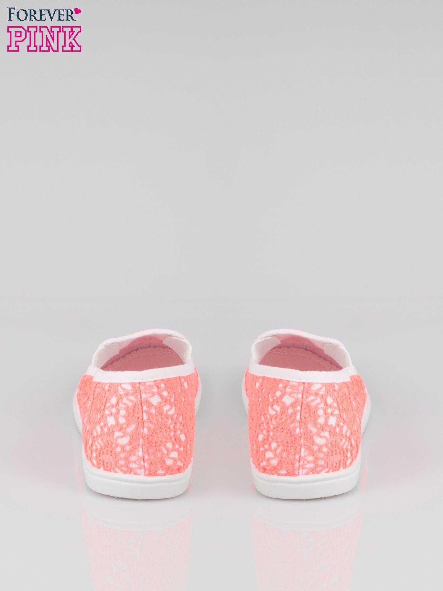 Różowe koronkowe buty slip on                                  zdj.                                  3