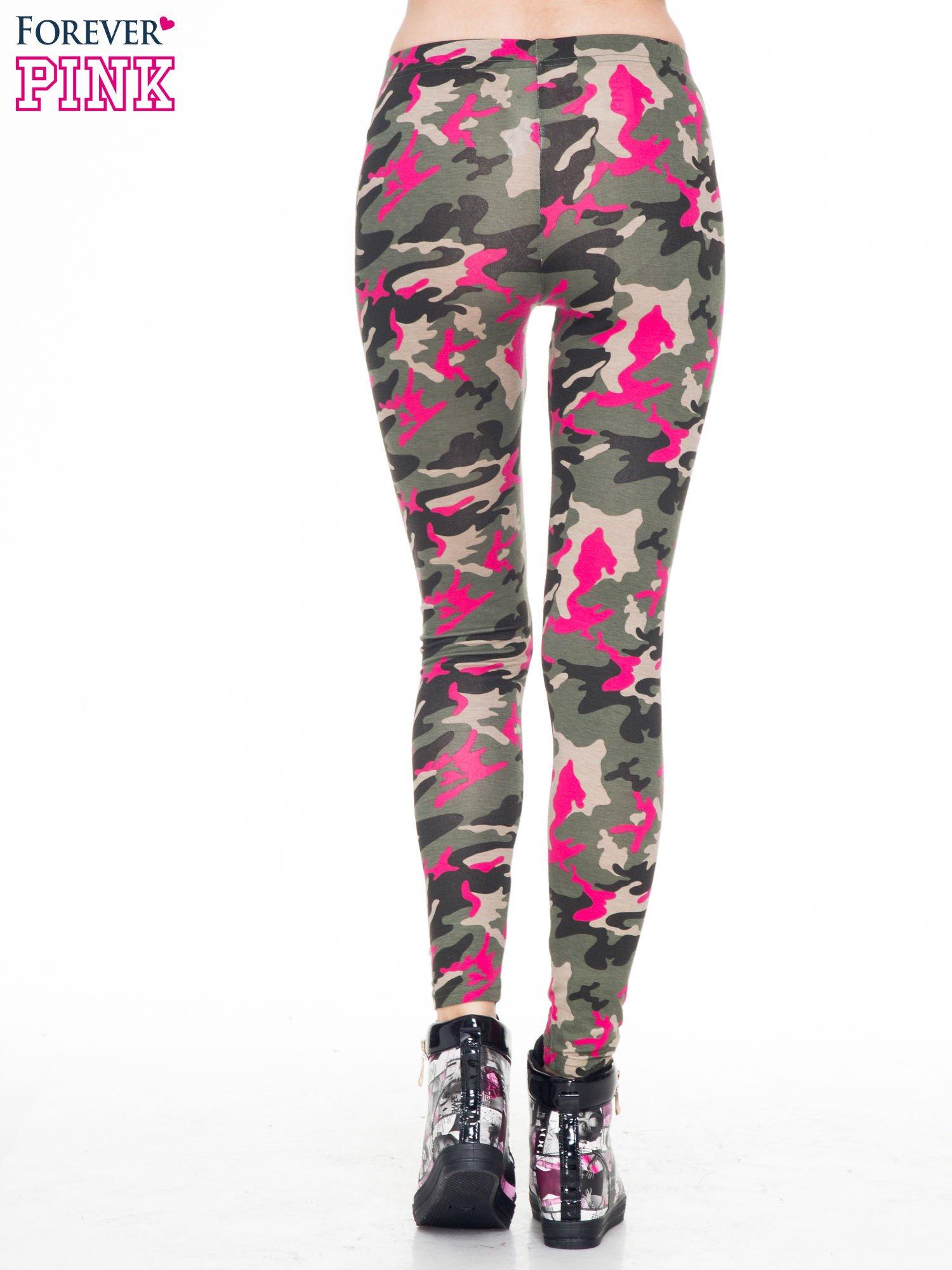 Różowe legginsy we wzór moro                                  zdj.                                  4