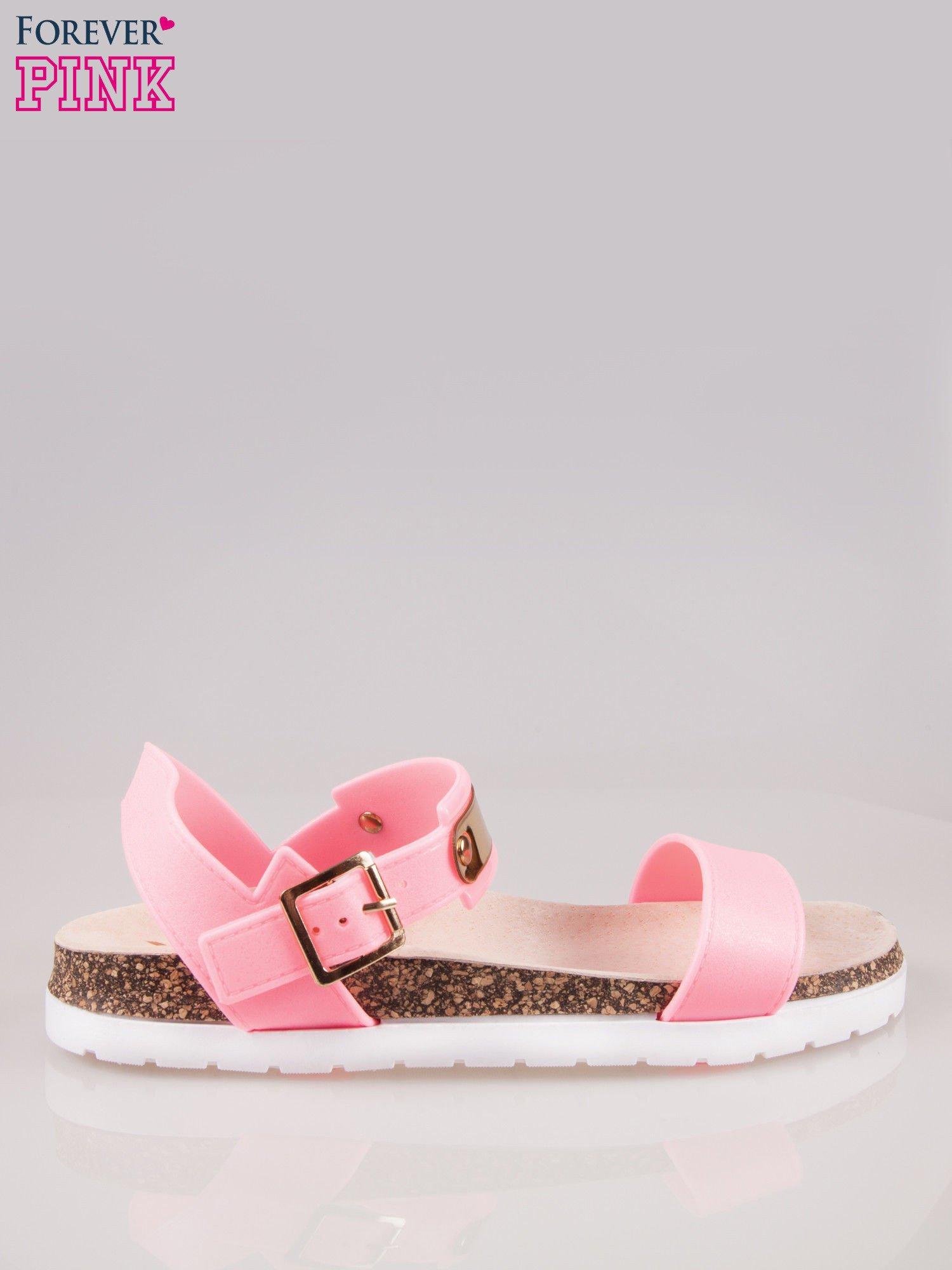 Różowe płaskie sandały z blaszką na korkowej podeszwie                                  zdj.                                  2